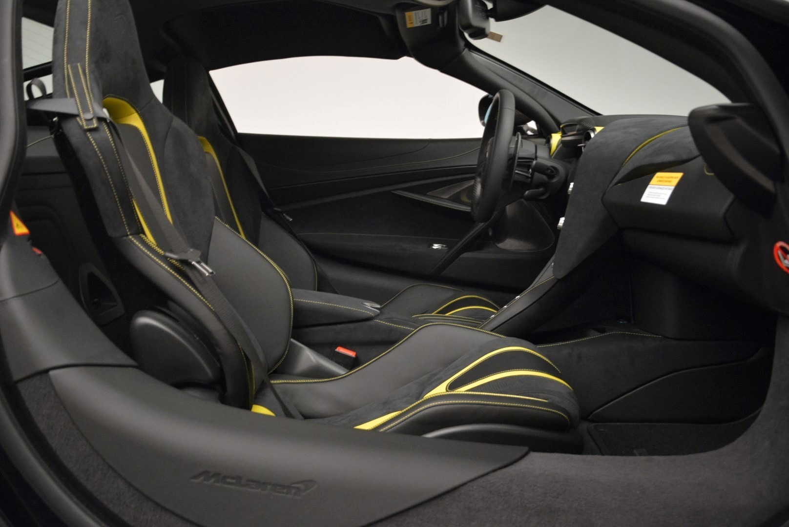 Used 2018 McLaren 720S Coupe For Sale In Greenwich, CT. Alfa Romeo of Greenwich, 3143 2474_p19