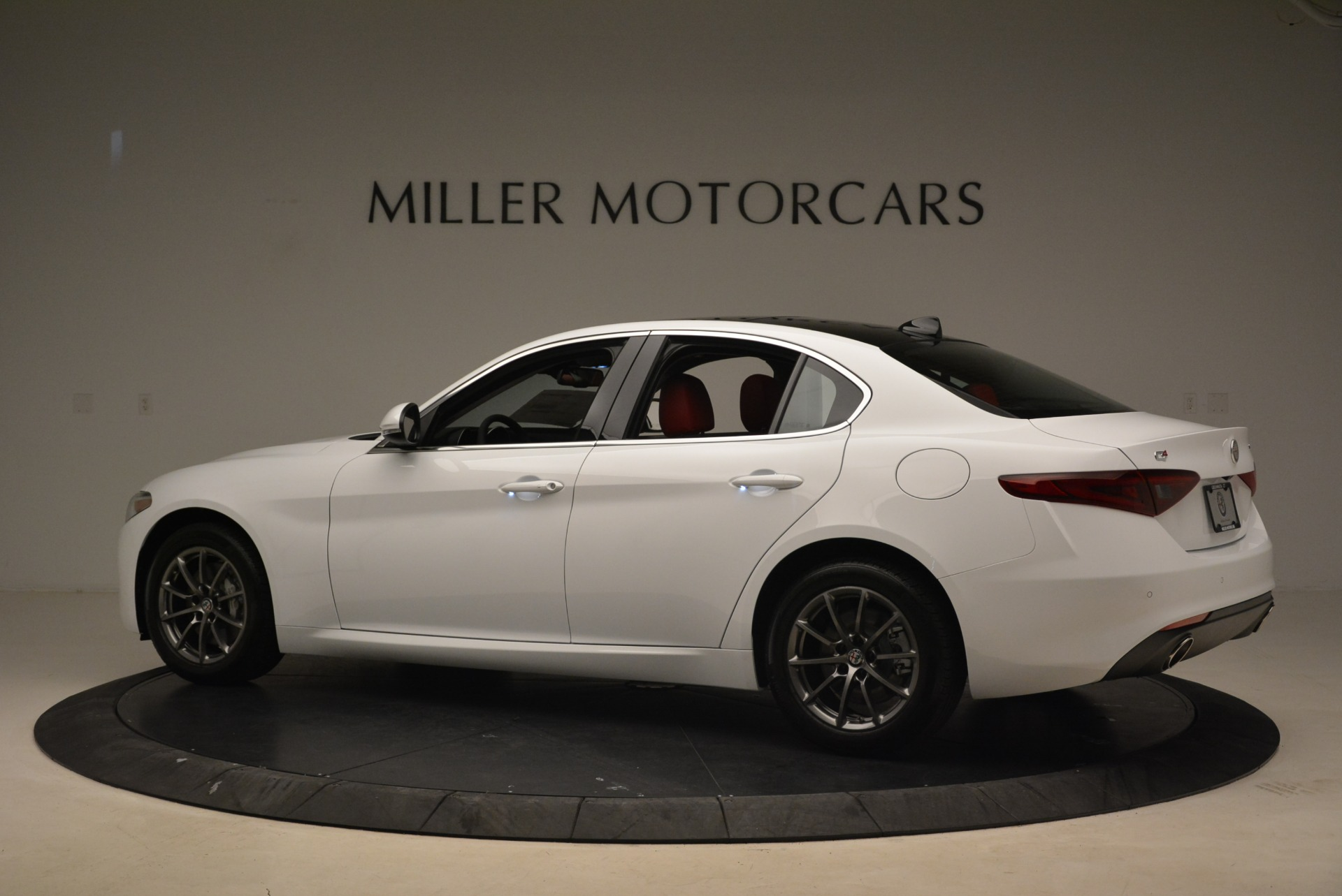 New 2018 Alfa Romeo Giulia Q4 For Sale In Greenwich, CT. Alfa Romeo of Greenwich, L556 2475_p4