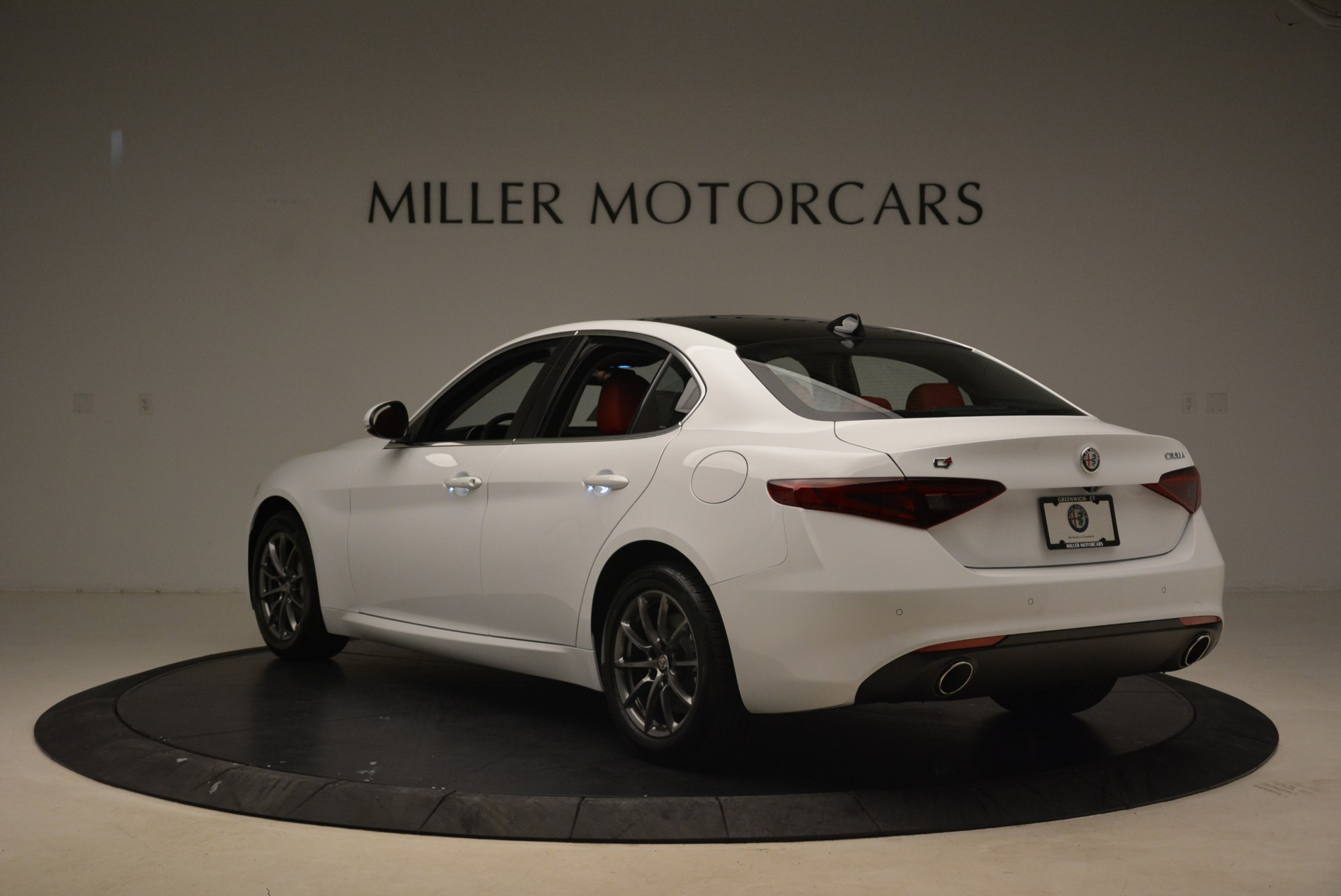 New 2018 Alfa Romeo Giulia Q4 For Sale In Greenwich, CT. Alfa Romeo of Greenwich, L556 2475_p5