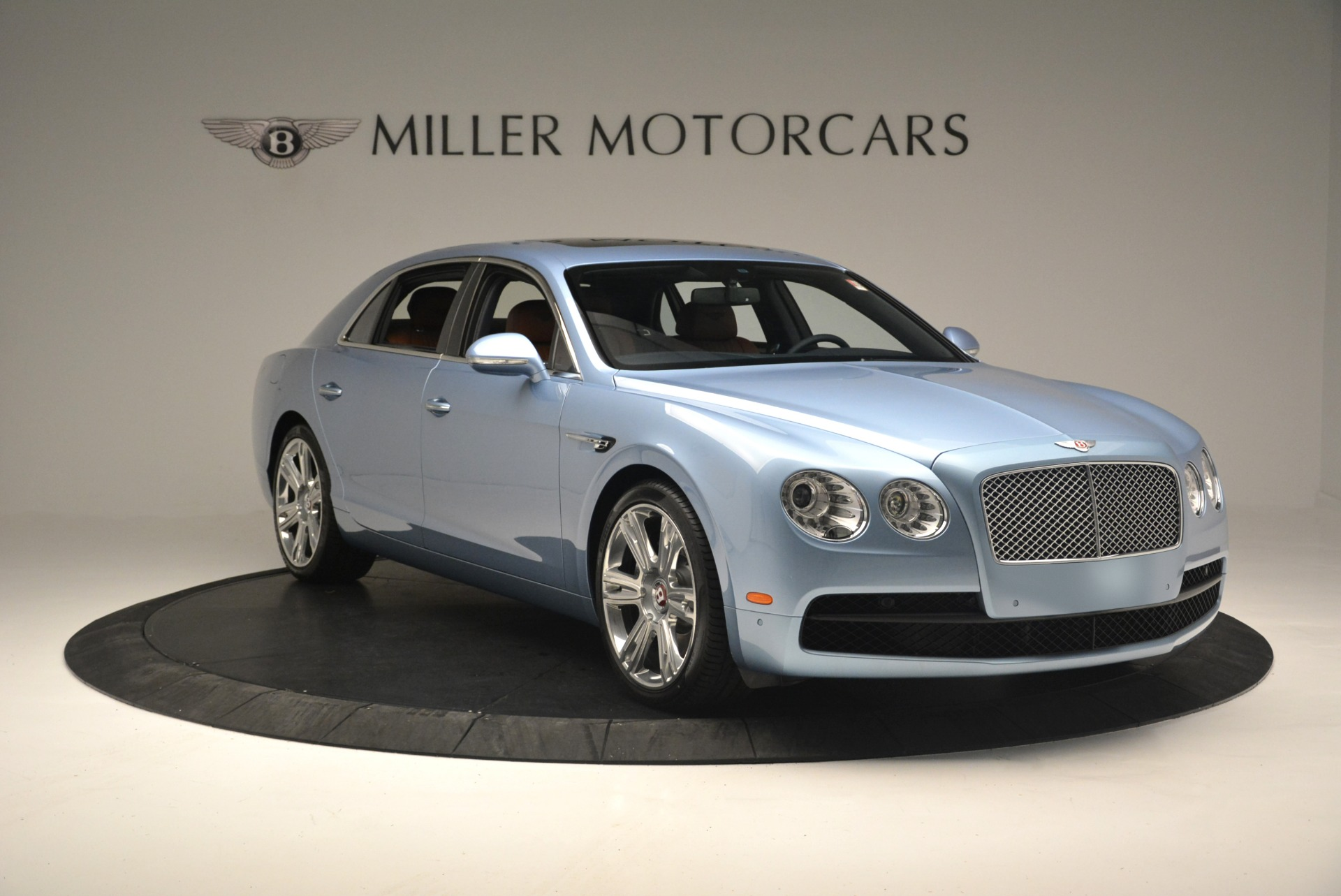 New 2018 Bentley Flying Spur V8 For Sale In Greenwich, CT. Alfa Romeo of Greenwich, B1360 2484_p11