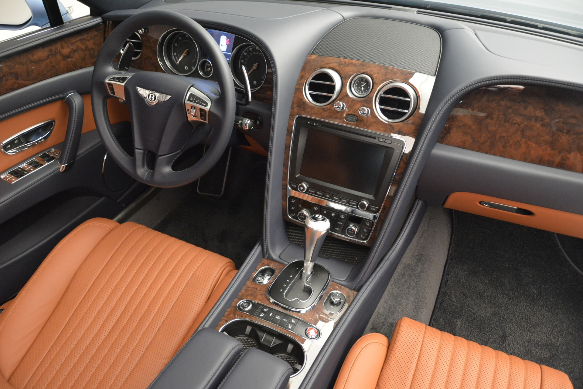 New 2018 Bentley Flying Spur V8 For Sale In Greenwich, CT. Alfa Romeo of Greenwich, B1360 2484_p28