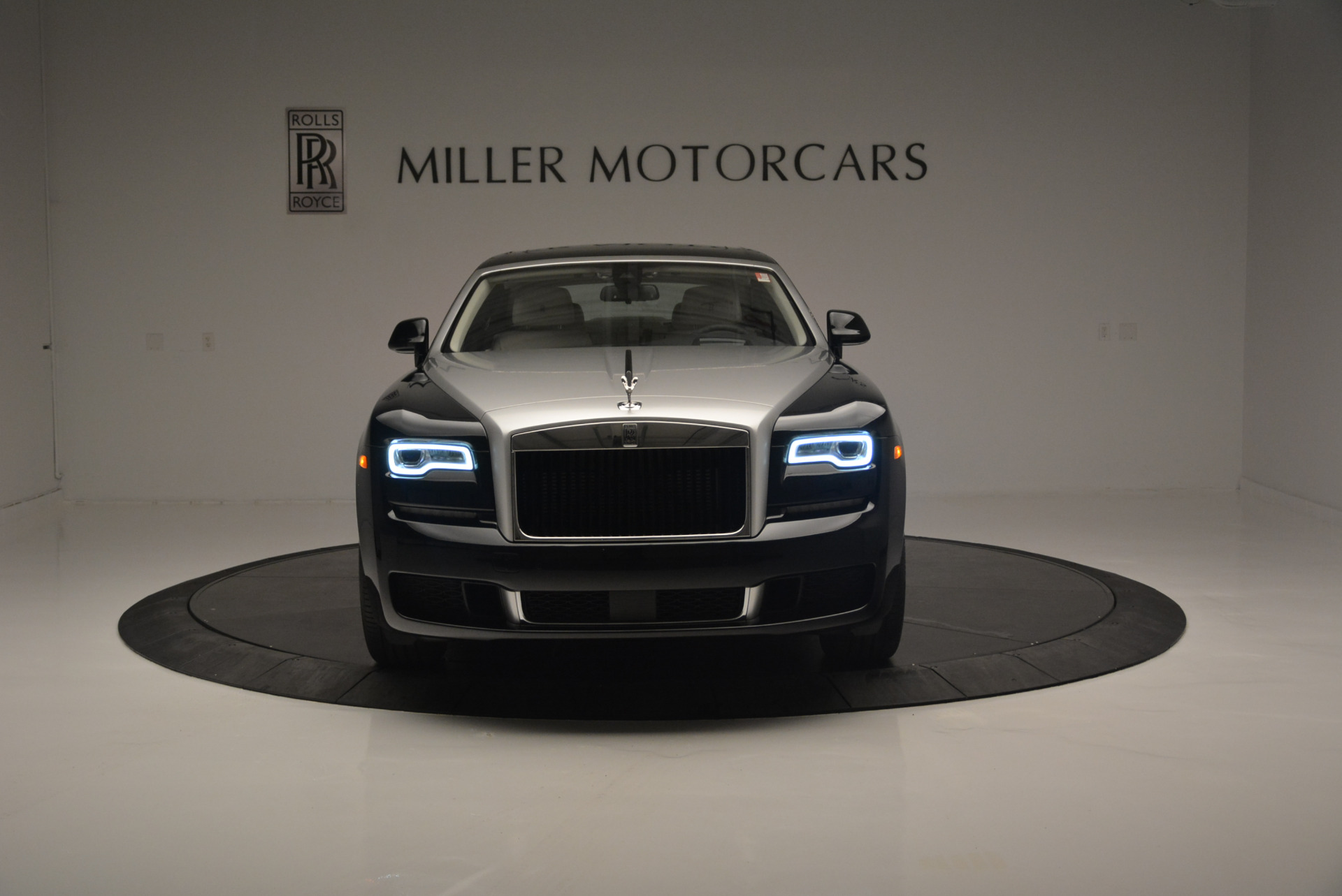 Used 2019 Rolls-Royce Ghost  For Sale In Greenwich, CT. Alfa Romeo of Greenwich, R473 2485_p2