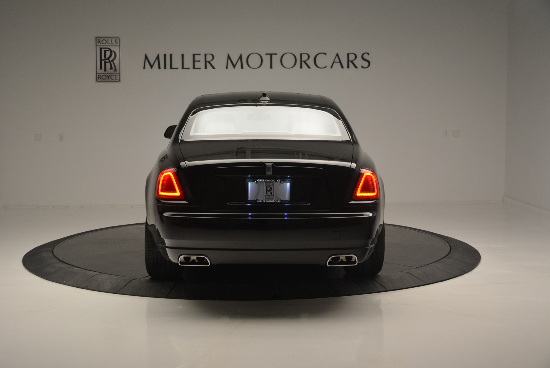 Used 2019 Rolls-Royce Ghost  For Sale In Greenwich, CT. Alfa Romeo of Greenwich, R473 2485_p5