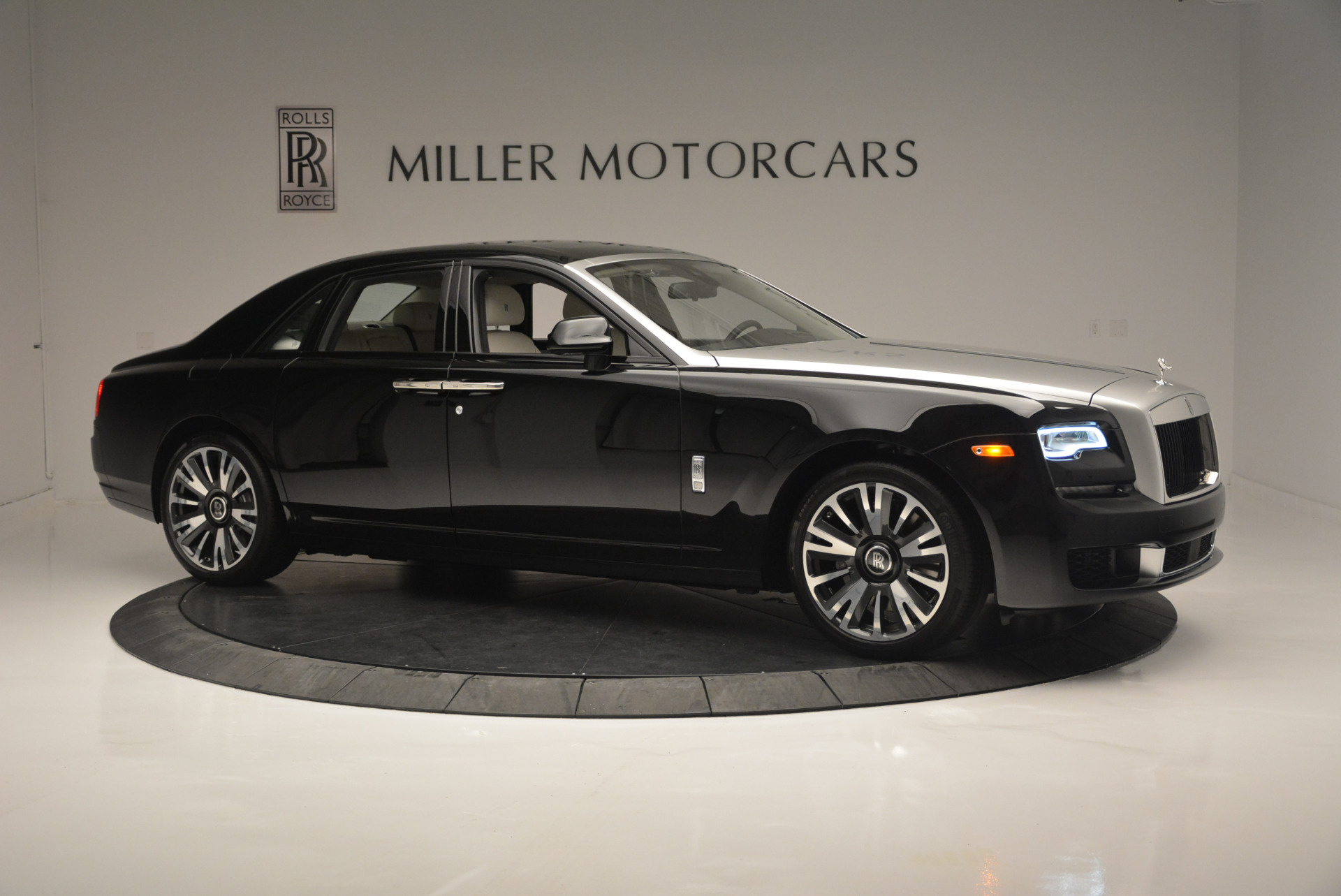 Used 2019 Rolls-Royce Ghost  For Sale In Greenwich, CT. Alfa Romeo of Greenwich, R473 2485_p8