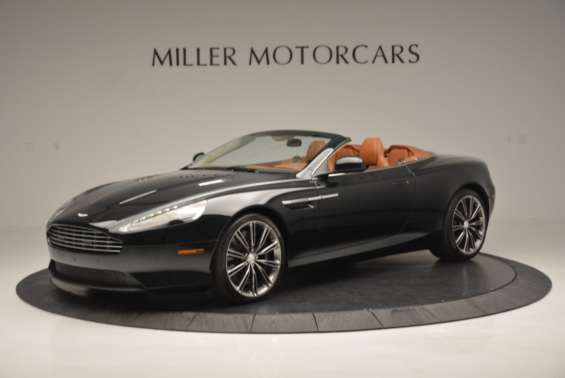 Used 2012 Aston Martin Virage Volante For Sale In Greenwich, CT. Alfa Romeo of Greenwich, 7641 2508_p2
