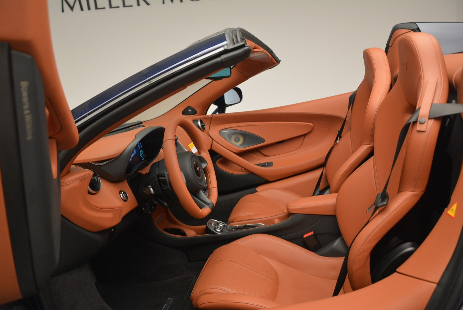 New 2019 McLaren 570S Spider Convertible For Sale In Greenwich, CT. Alfa Romeo of Greenwich, MC377 2521_p24