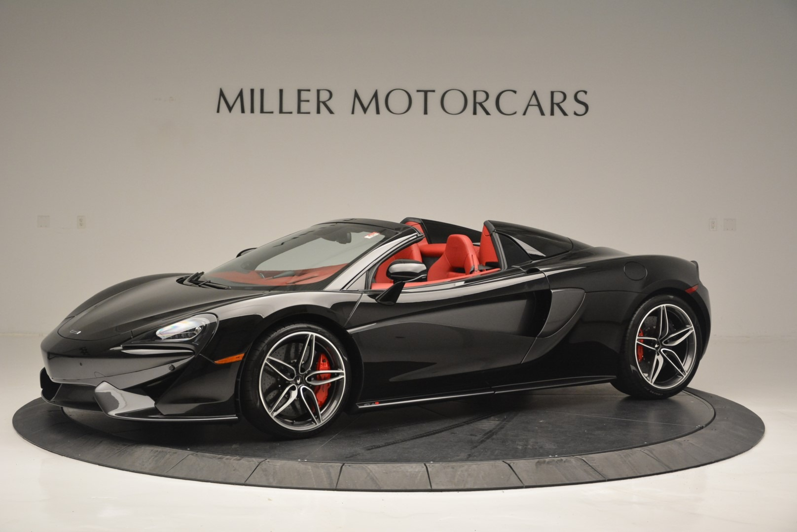 New 2019 McLaren 570S Spider Convertible For Sale In Greenwich, CT. Alfa Romeo of Greenwich, MC378