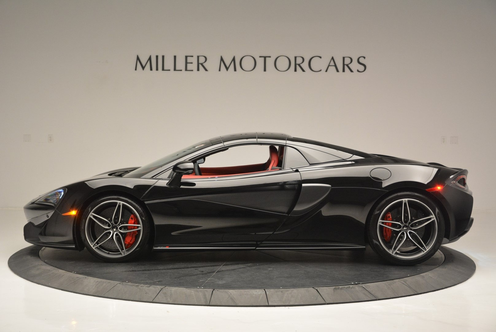 New 2019 McLaren 570S Spider For Sale In Greenwich, CT. Alfa Romeo of Greenwich, MC378 2522_p16
