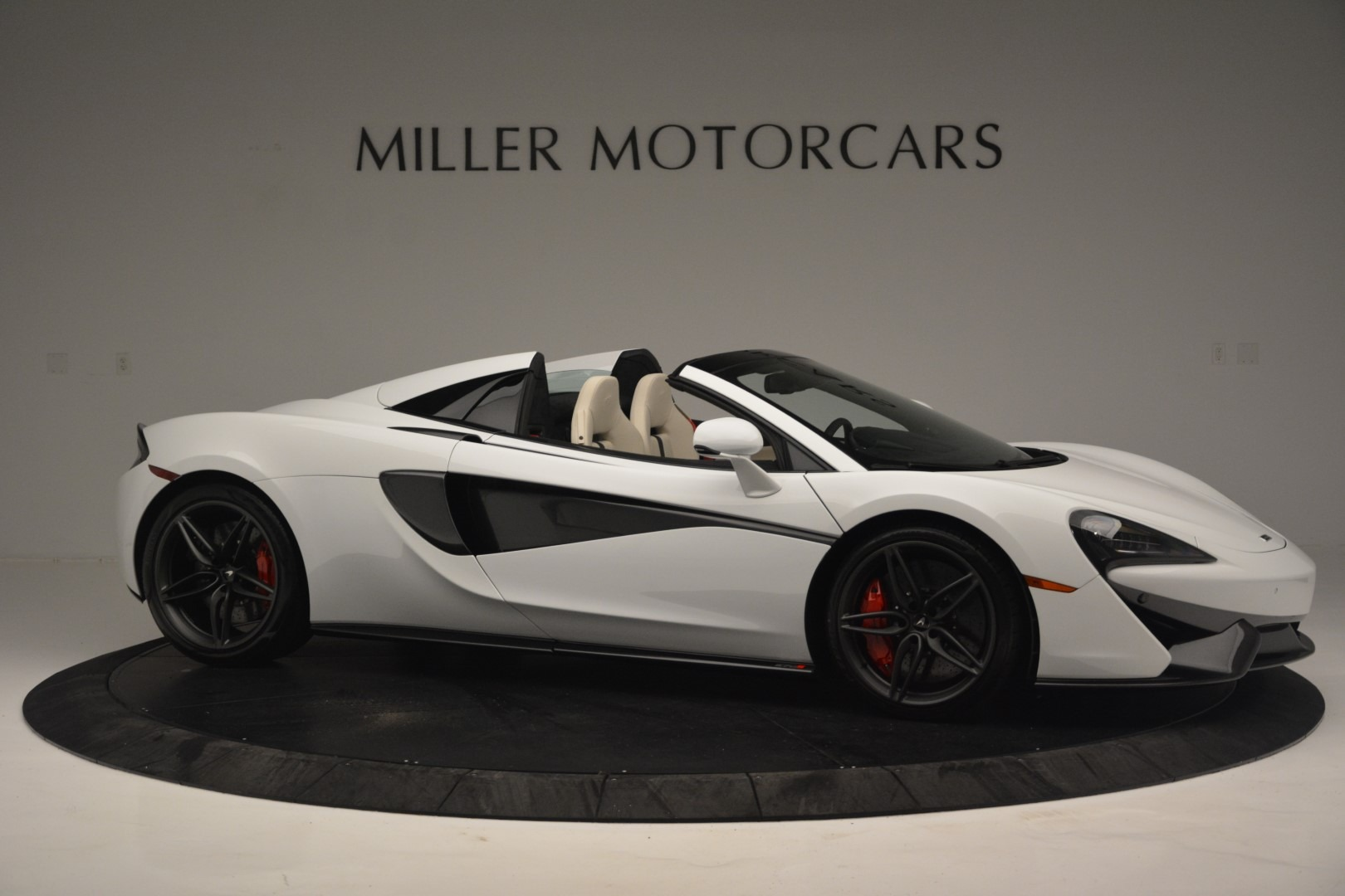 New 2019 McLaren 570S Spider Convertible For Sale In Greenwich, CT. Alfa Romeo of Greenwich, MC385 2523_p10