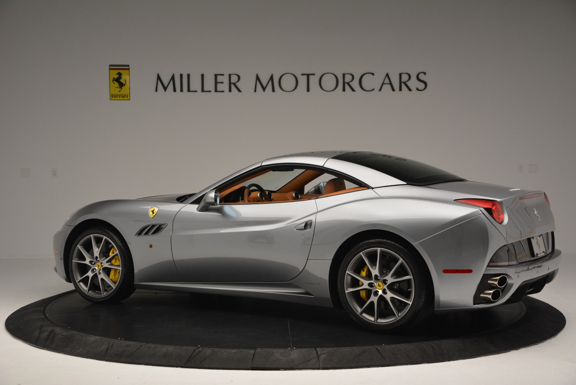 Used 2012 Ferrari California  For Sale In Greenwich, CT. Alfa Romeo of Greenwich, 4501 2524_p16