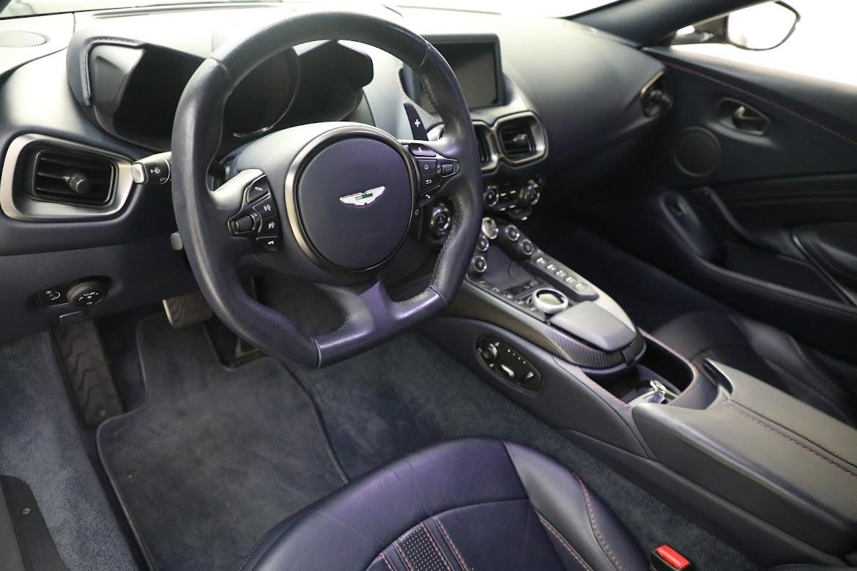 New 2019 Aston Martin Vantage Coupe For Sale In Greenwich, CT. Alfa Romeo of Greenwich, A1310 2527_p12