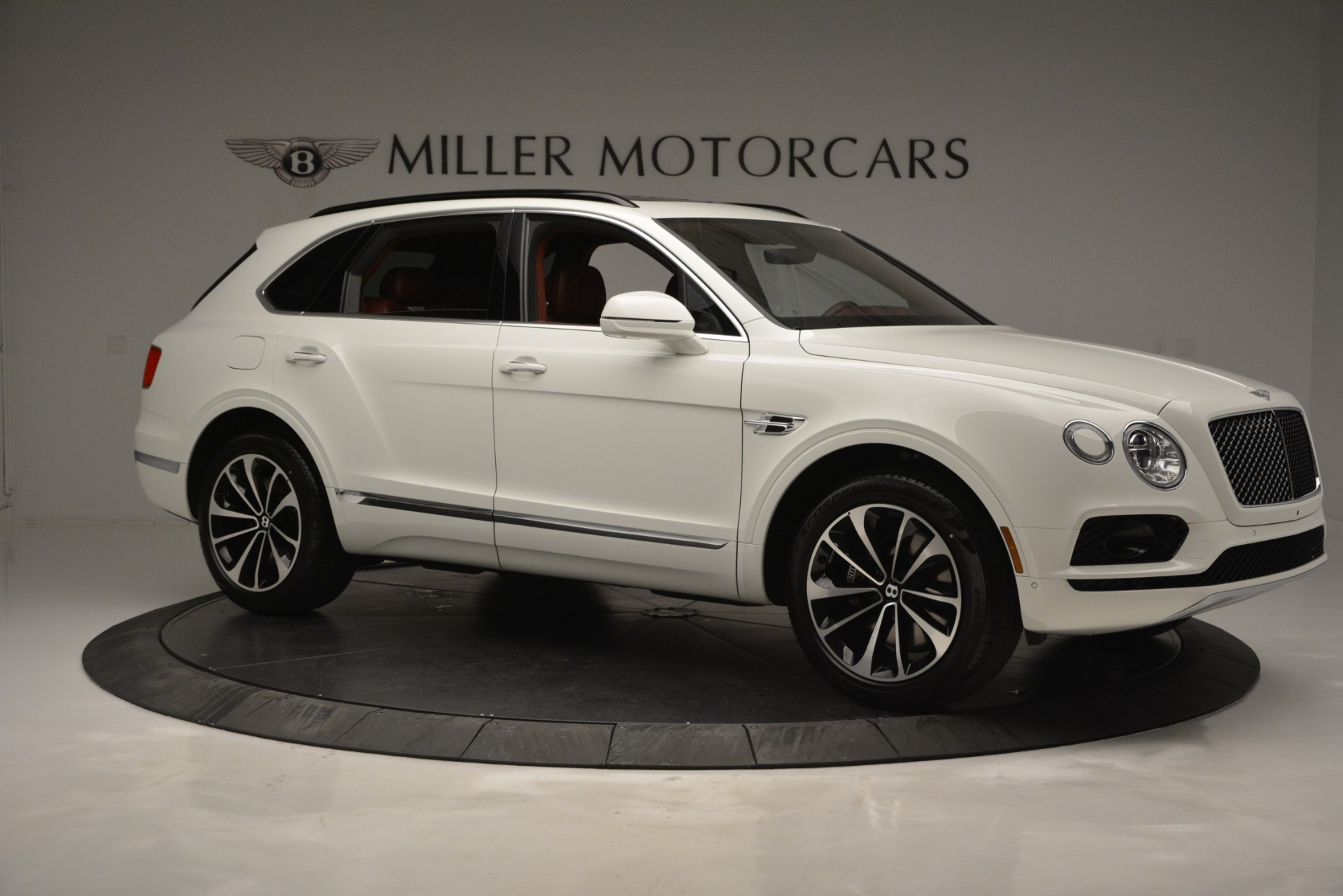New 2019 Bentley Bentayga V8 For Sale In Greenwich, CT. Alfa Romeo of Greenwich, B1376 2535_p10