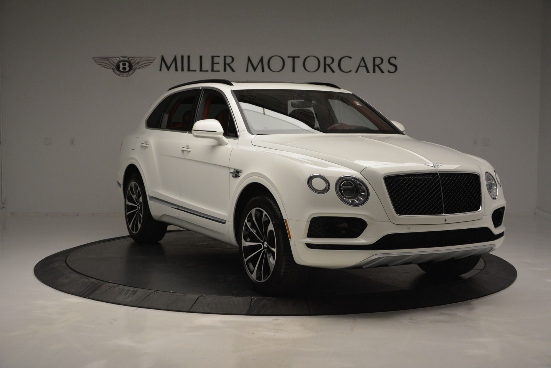 New 2019 Bentley Bentayga V8 For Sale In Greenwich, CT. Alfa Romeo of Greenwich, B1376 2535_p11