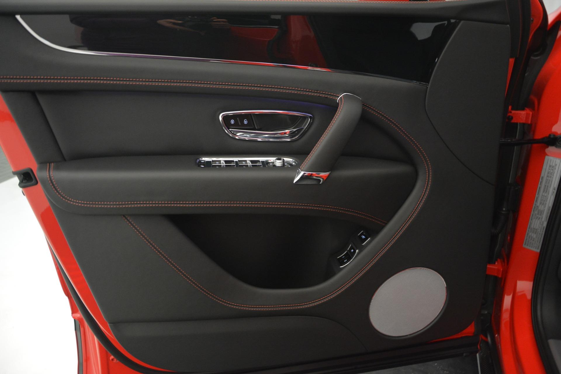 New 2019 BENTLEY Bentayga V8 For Sale In Greenwich, CT. Alfa Romeo of Greenwich, B1382 2536_p20