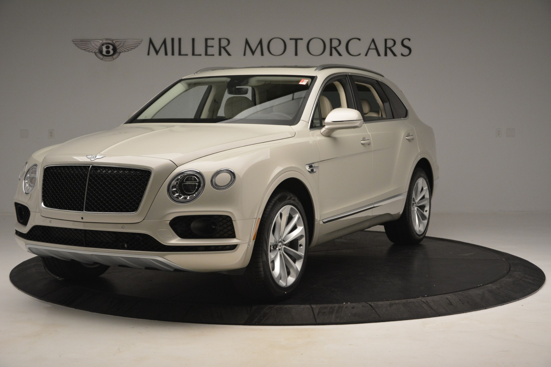 New 2019 Bentley Bentayga V8 For Sale In Greenwich, CT. Alfa Romeo of Greenwich, B1379