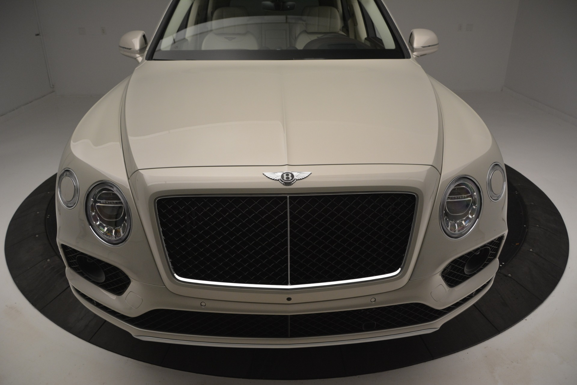 New 2019 Bentley Bentayga V8 For Sale In Greenwich, CT. Alfa Romeo of Greenwich, B1379 2538_p13