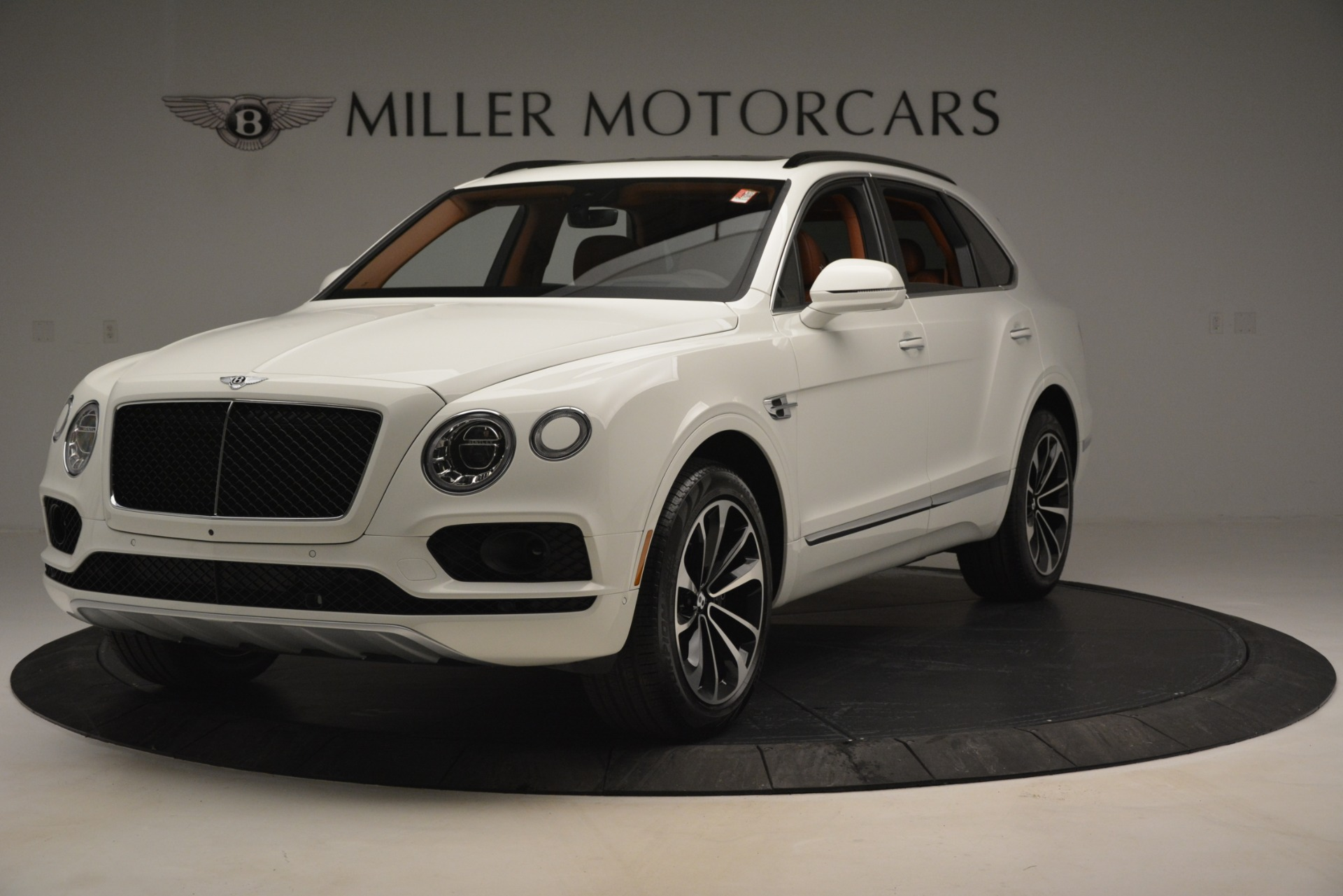 New 2019 Bentley Bentayga V8 For Sale In Greenwich, CT. Alfa Romeo of Greenwich, B1390 2539_main