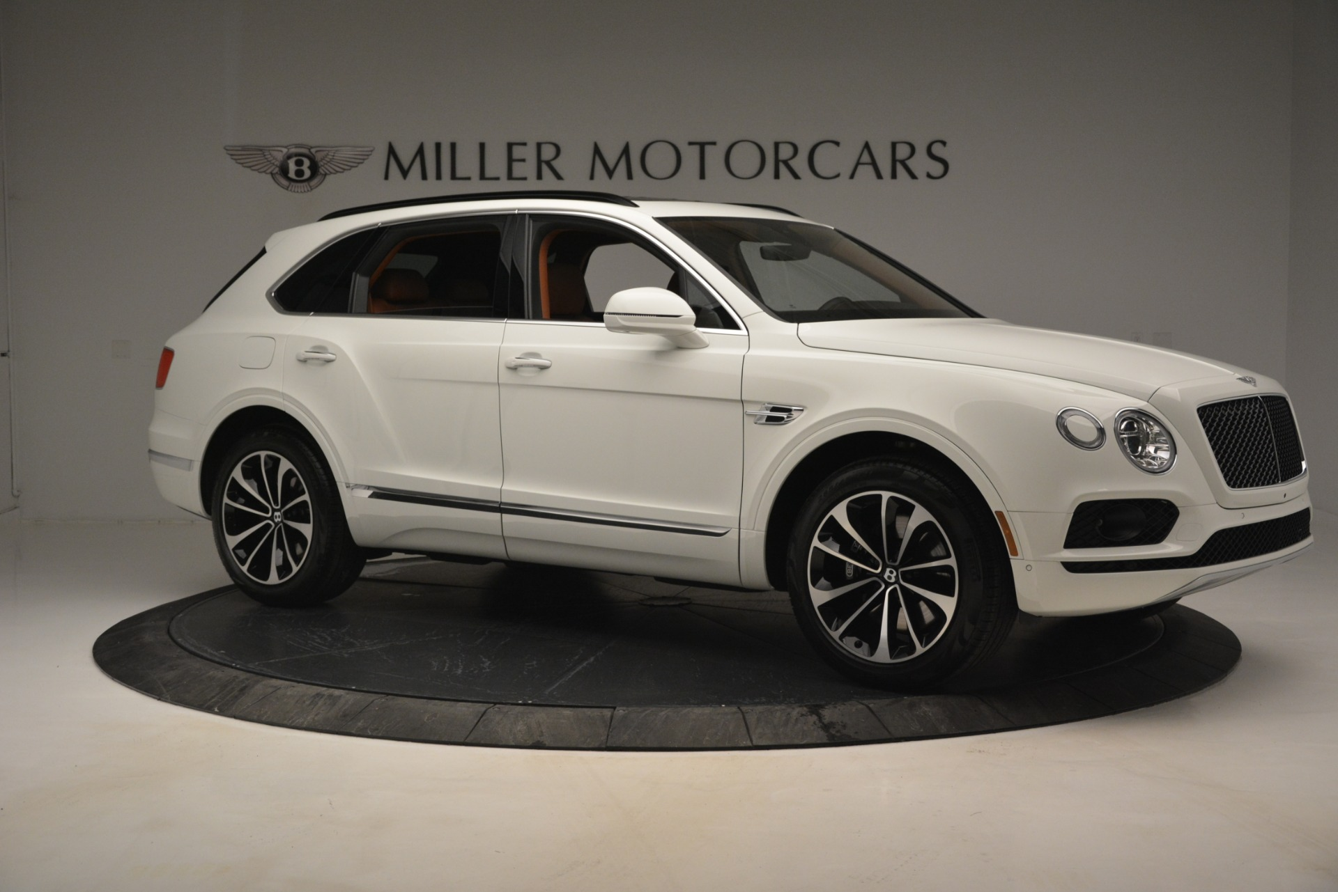 New 2019 Bentley Bentayga V8 For Sale In Greenwich, CT. Alfa Romeo of Greenwich, B1390 2539_p11