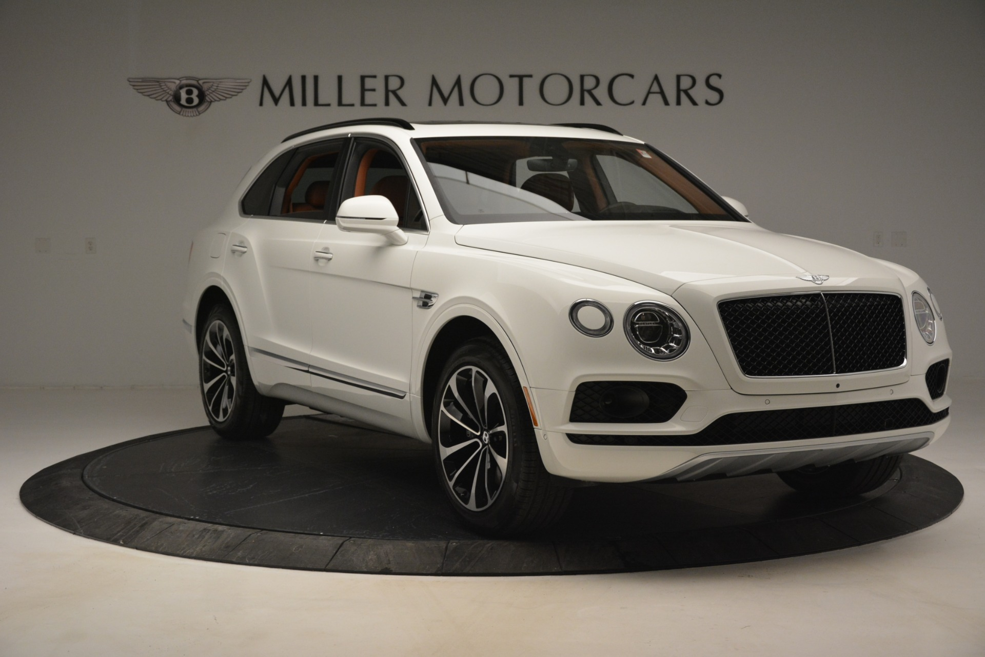 New 2019 Bentley Bentayga V8 For Sale In Greenwich, CT. Alfa Romeo of Greenwich, B1390 2539_p12