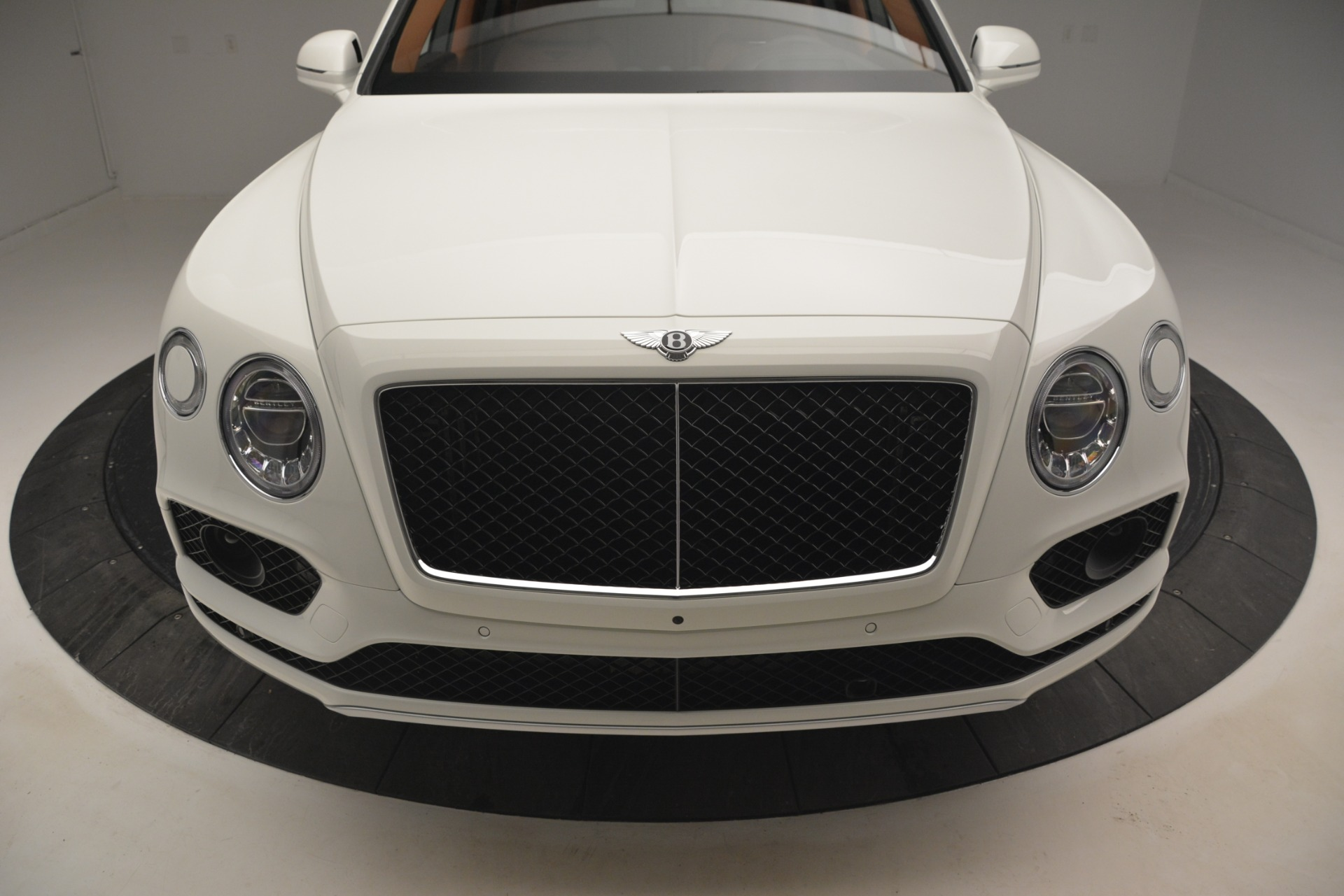 New 2019 Bentley Bentayga V8 For Sale In Greenwich, CT. Alfa Romeo of Greenwich, B1390 2539_p14