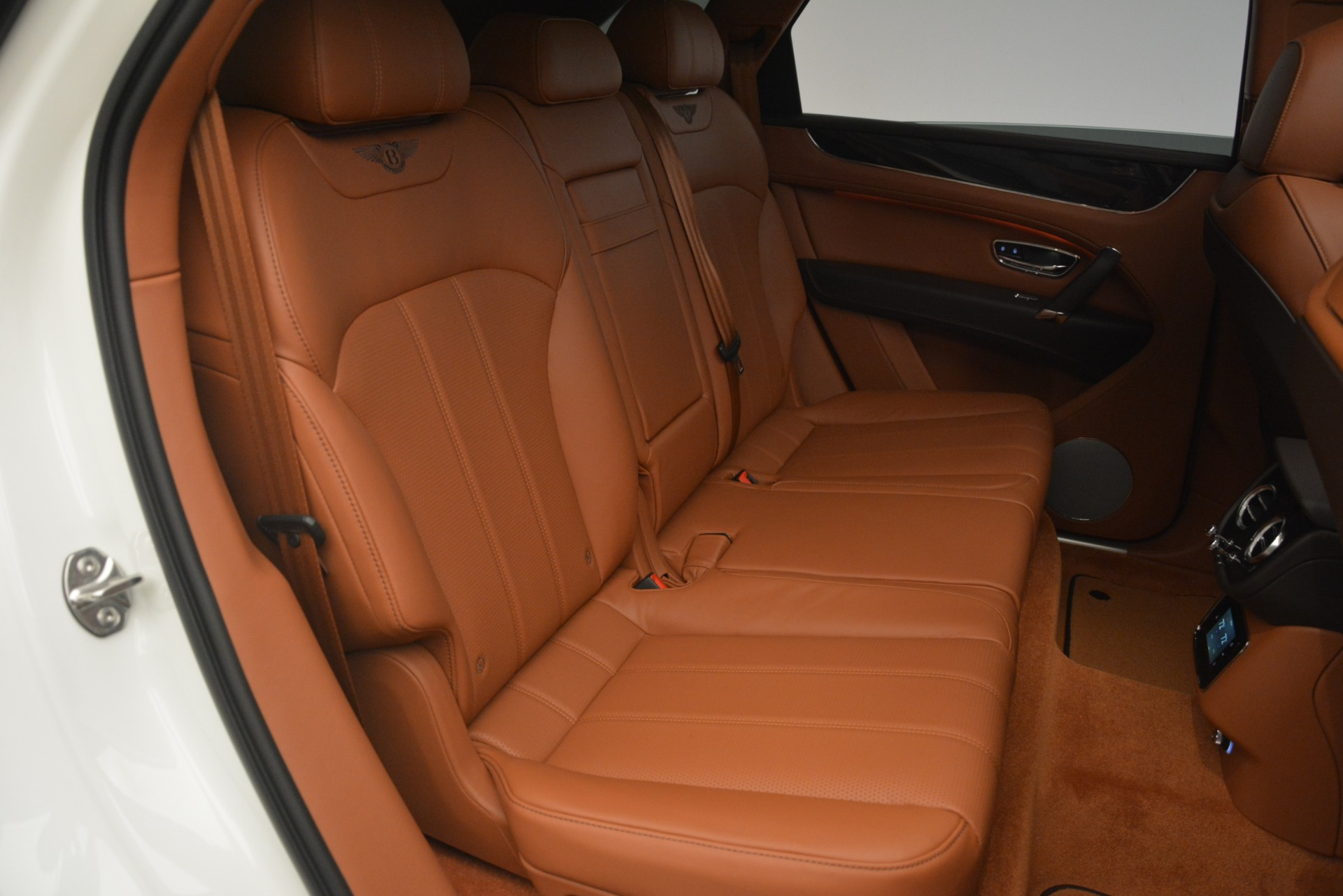 New 2019 Bentley Bentayga V8 For Sale In Greenwich, CT. Alfa Romeo of Greenwich, B1390 2539_p25