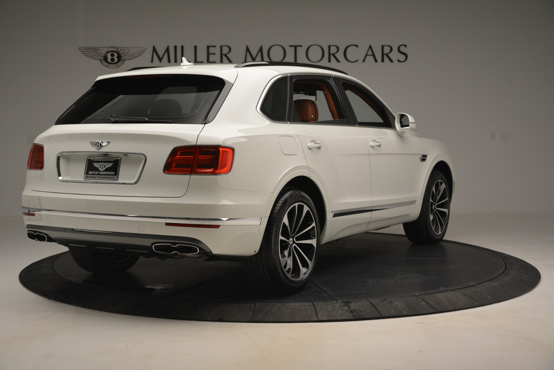 New 2019 Bentley Bentayga V8 For Sale In Greenwich, CT. Alfa Romeo of Greenwich, B1390 2539_p7