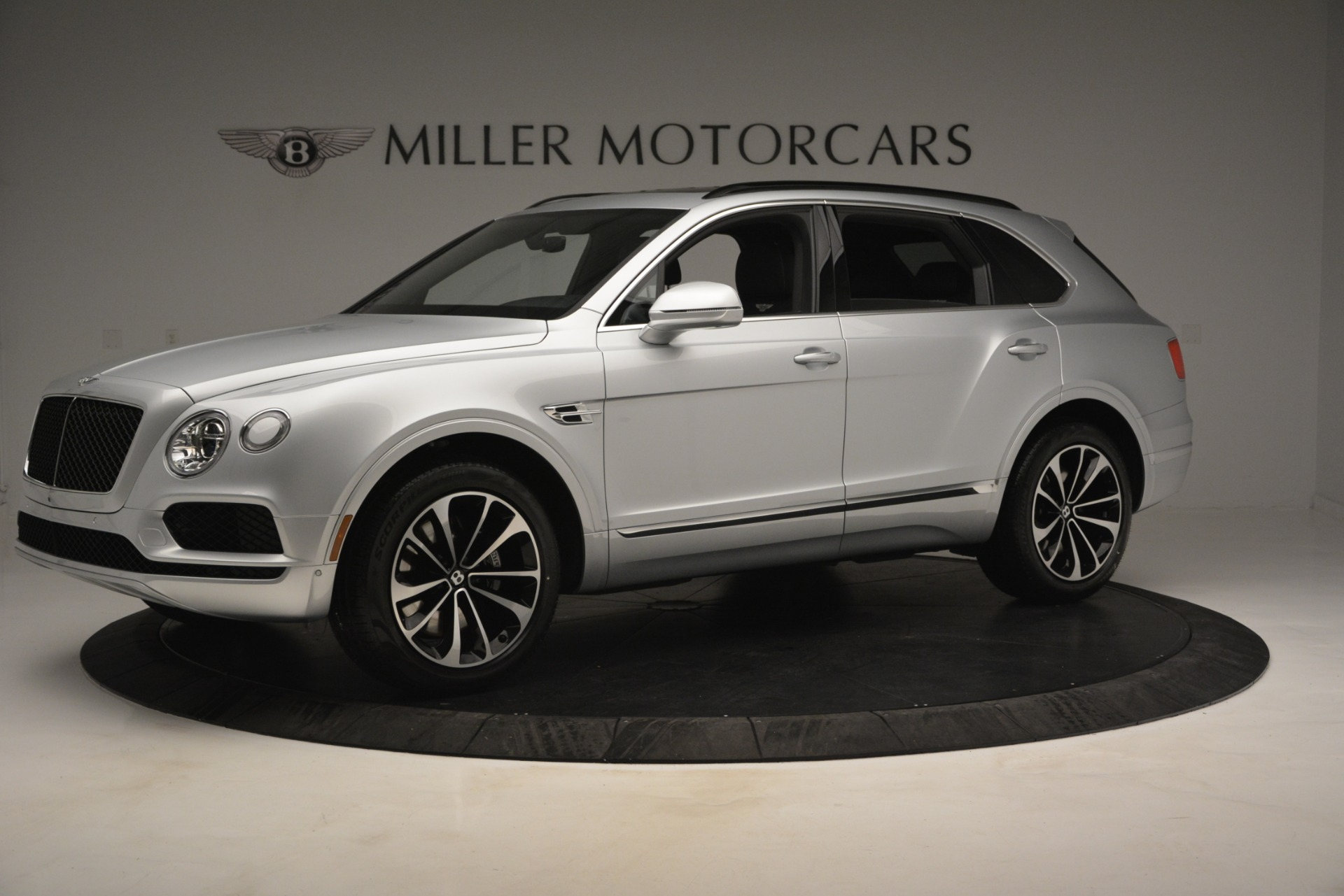 Used 2019 Bentley Bentayga V8 For Sale In Greenwich, CT. Alfa Romeo of Greenwich, B1383 2540_p2