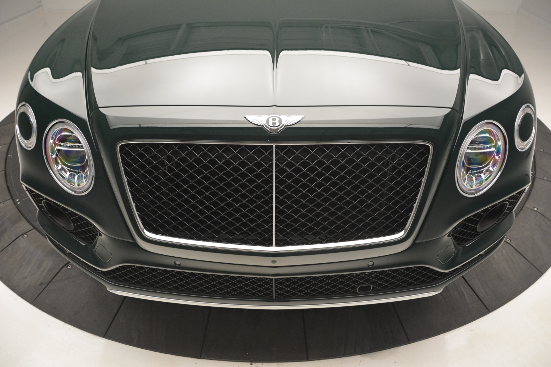 New 2019 Bentley Bentayga V8 For Sale In Greenwich, CT. Alfa Romeo of Greenwich, B1386 2541_p13