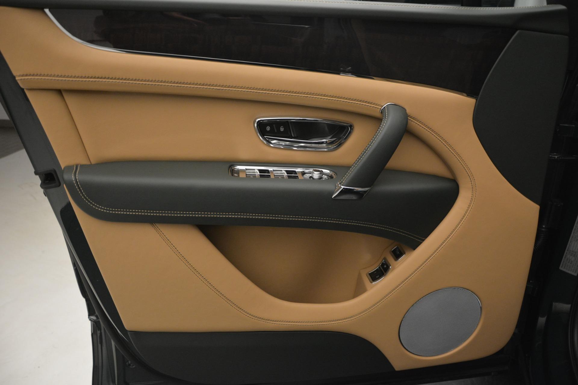New 2019 Bentley Bentayga V8 For Sale In Greenwich, CT. Alfa Romeo of Greenwich, B1386 2541_p17