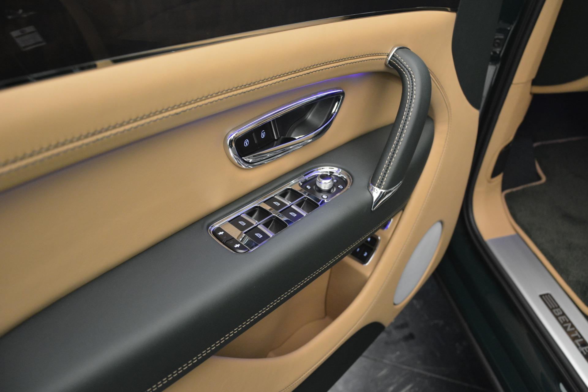 New 2019 Bentley Bentayga V8 For Sale In Greenwich, CT. Alfa Romeo of Greenwich, B1386 2541_p25
