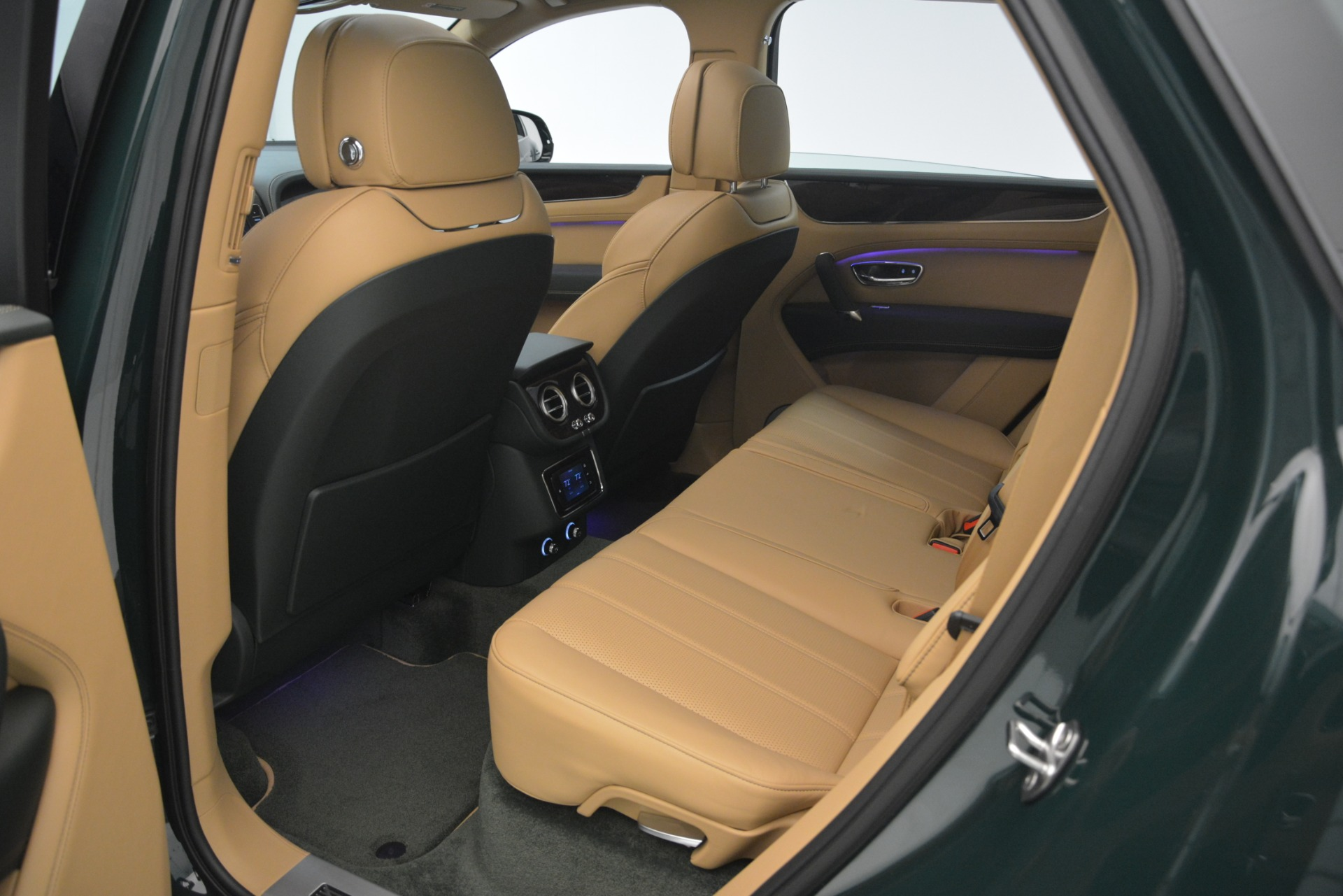 New 2019 Bentley Bentayga V8 For Sale In Greenwich, CT. Alfa Romeo of Greenwich, B1386 2541_p26