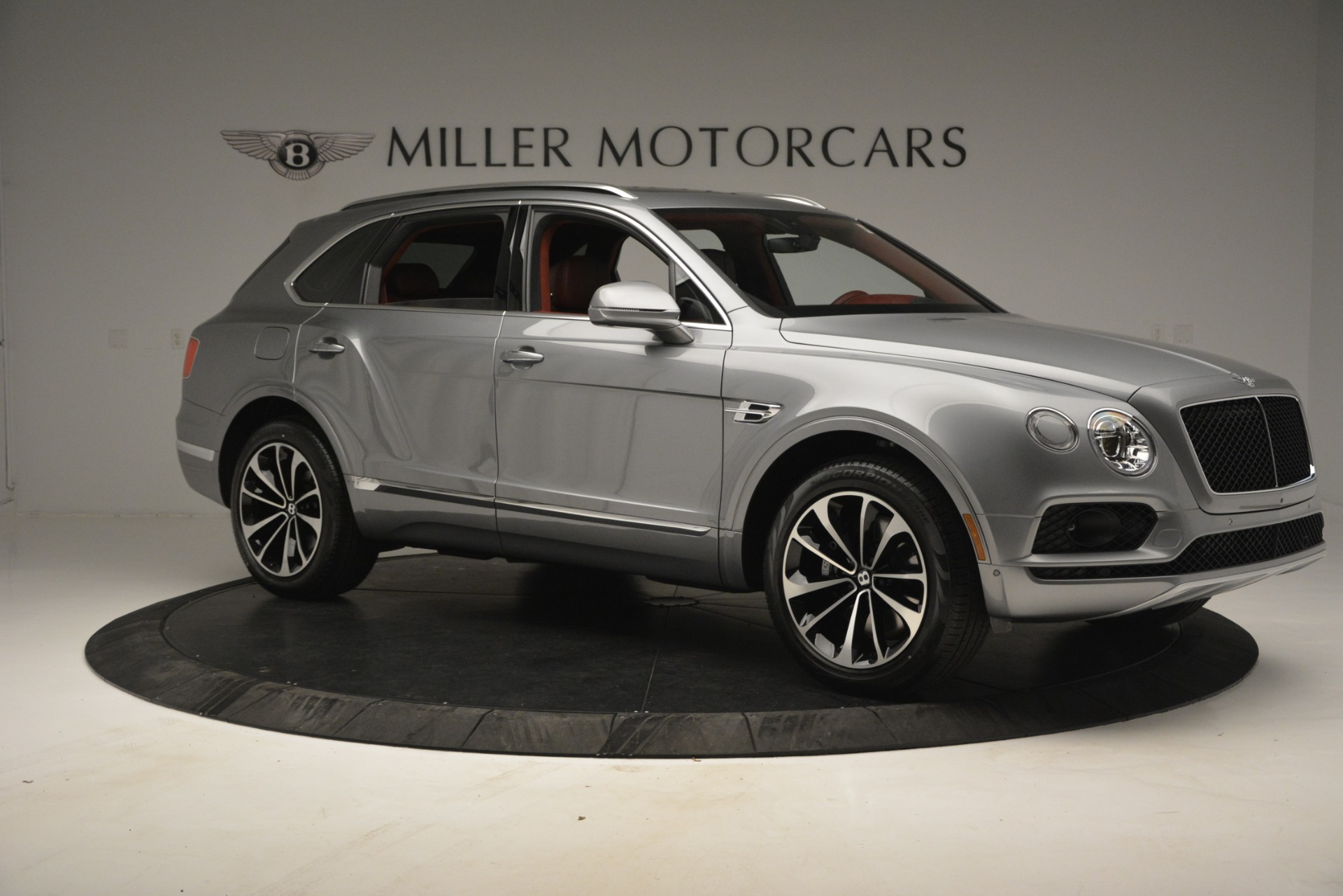 New 2019 Bentley Bentayga V8 For Sale In Greenwich, CT. Alfa Romeo of Greenwich, B1381 2542_p10