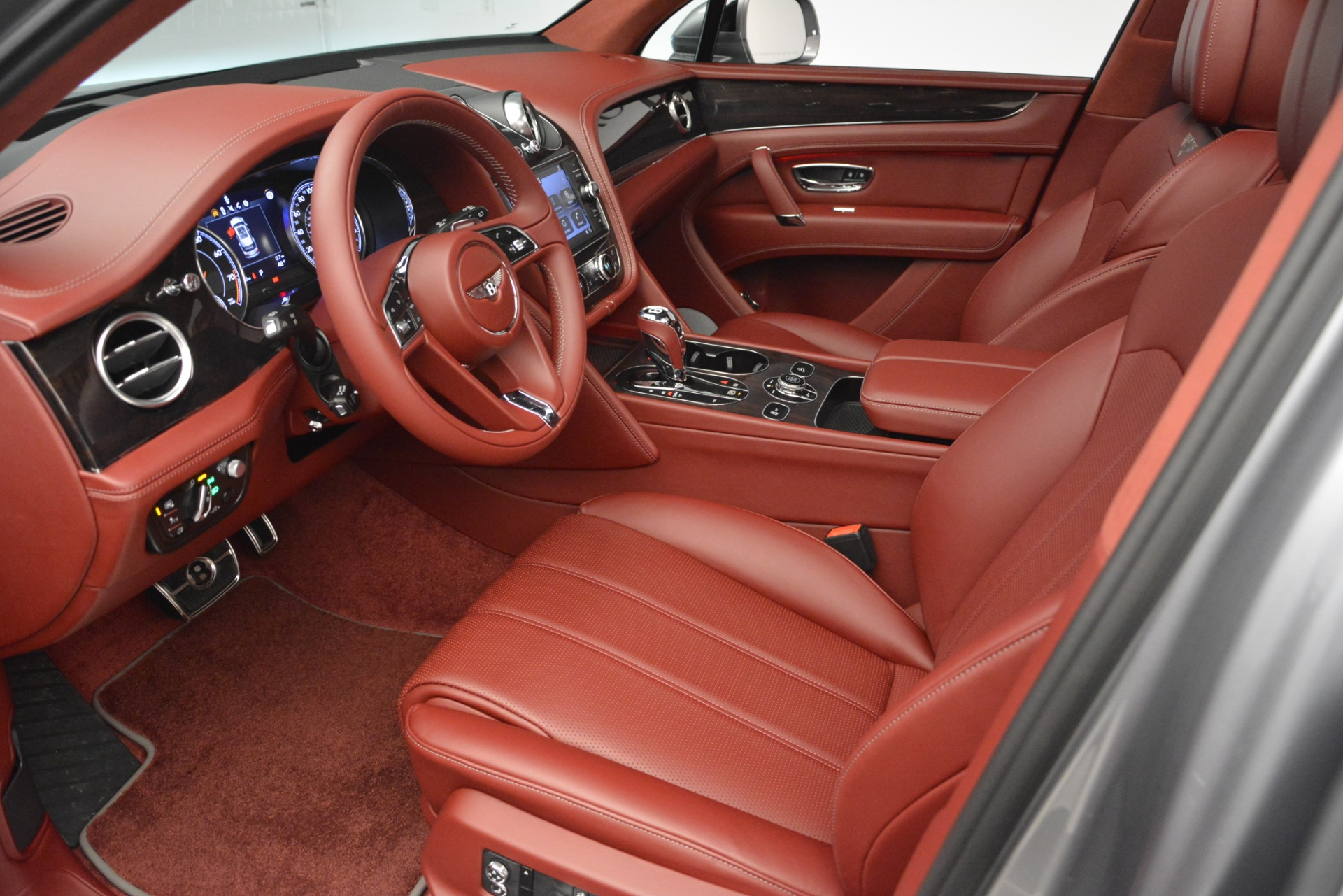 New 2019 Bentley Bentayga V8 For Sale In Greenwich, CT. Alfa Romeo of Greenwich, B1381 2542_p17