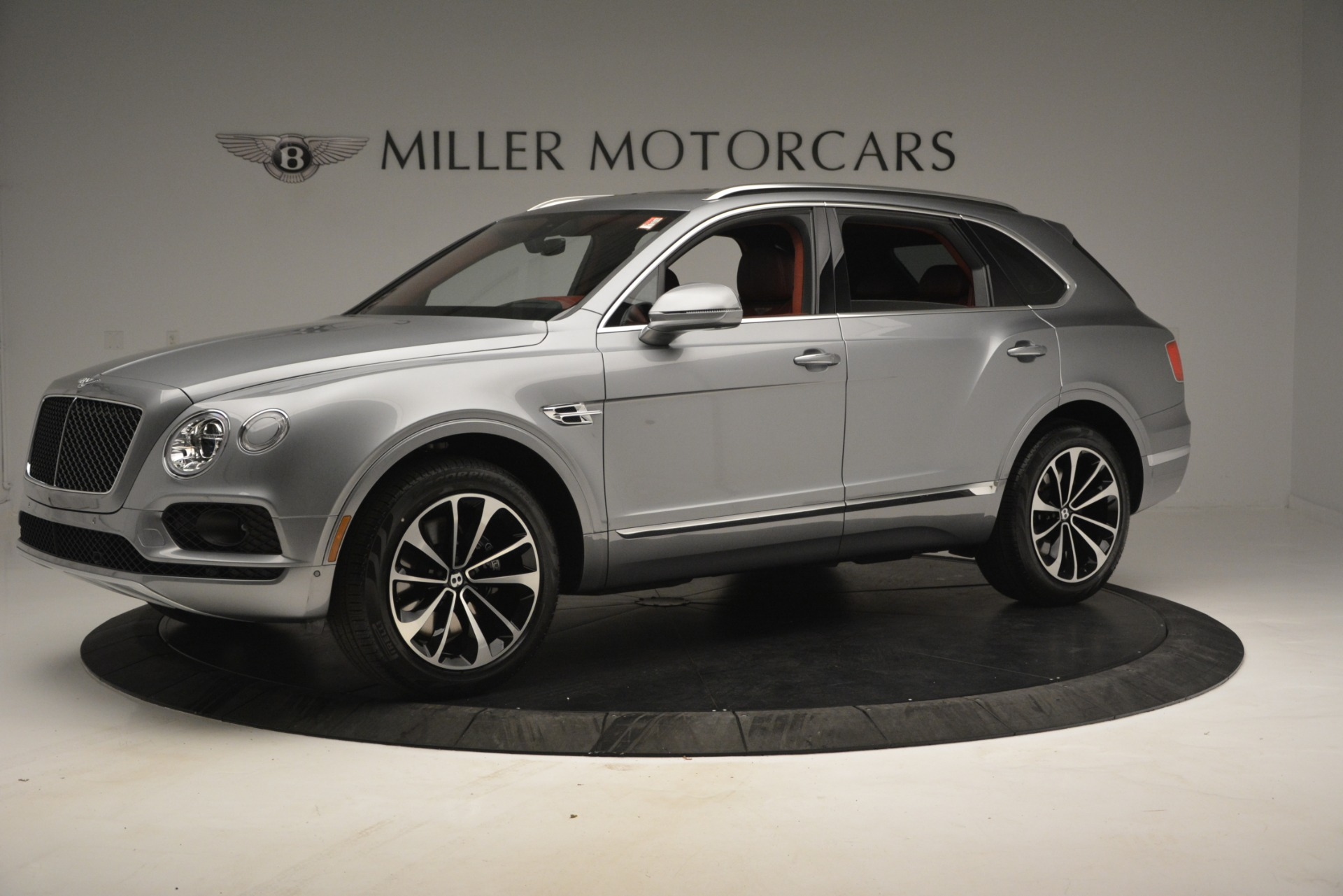New 2019 Bentley Bentayga V8 For Sale In Greenwich, CT. Alfa Romeo of Greenwich, B1381 2542_p2