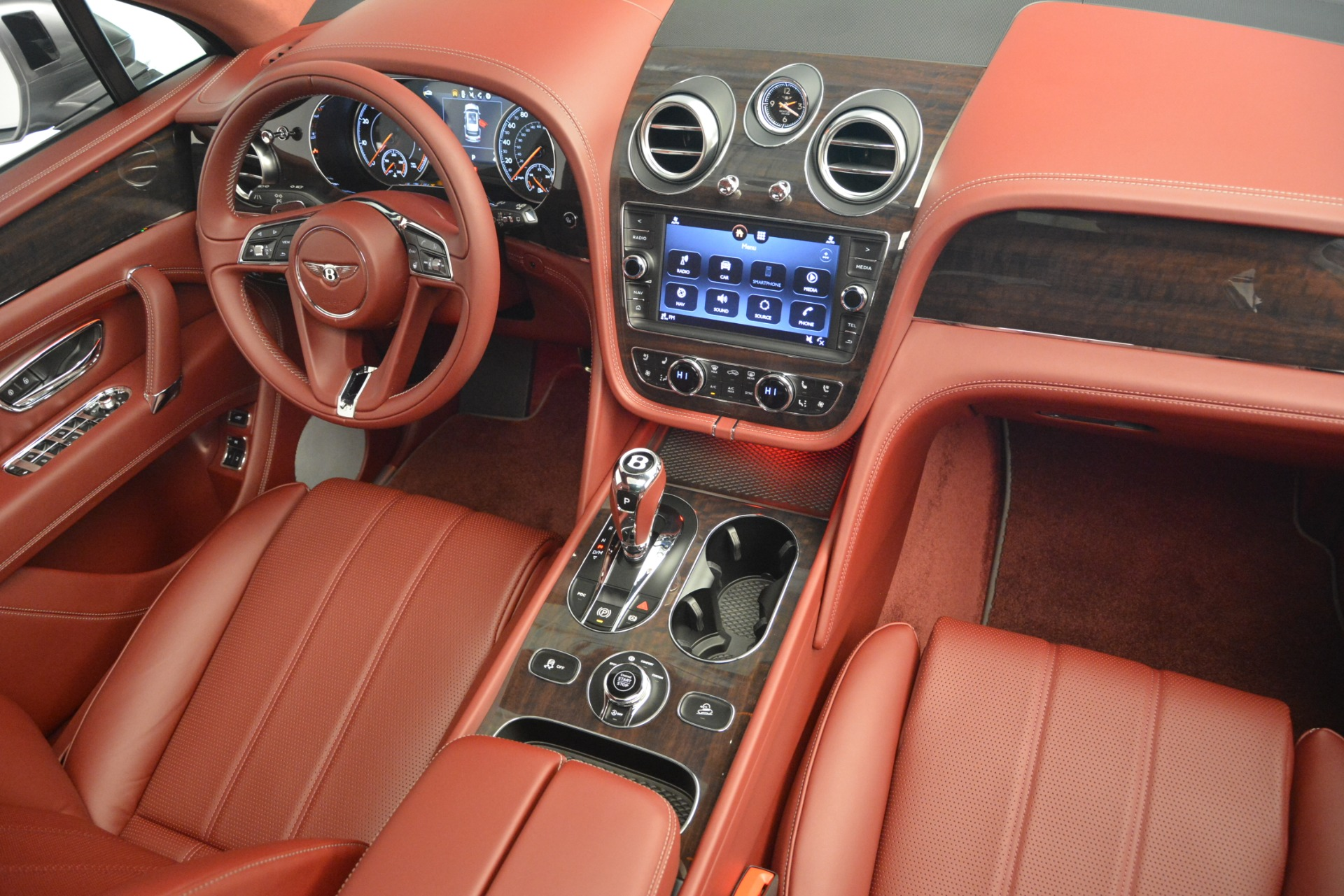 New 2019 Bentley Bentayga V8 For Sale In Greenwich, CT. Alfa Romeo of Greenwich, B1381 2542_p30
