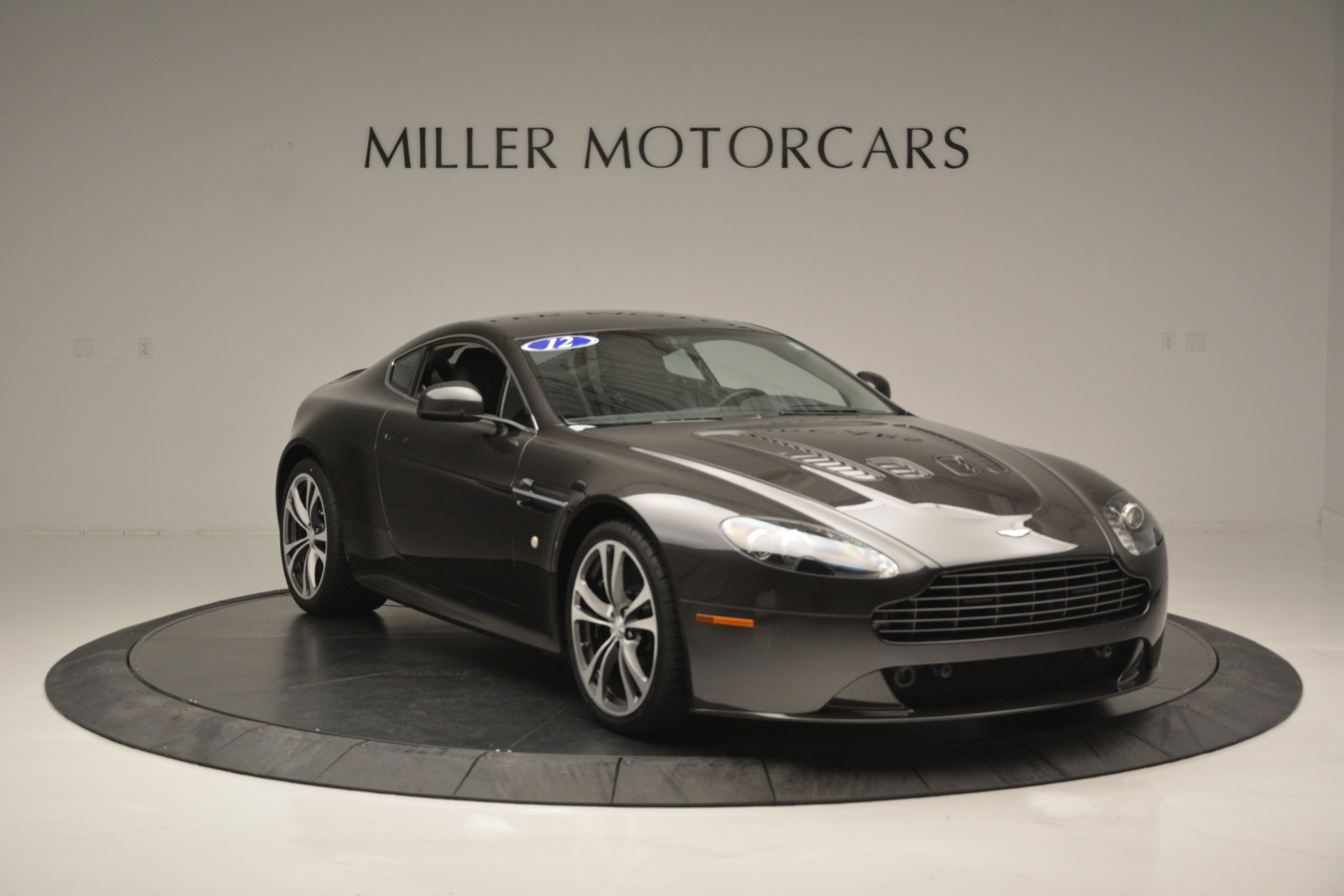 Used 2012 Aston Martin V12 Vantage Coupe For Sale In Greenwich, CT. Alfa Romeo of Greenwich, 7425 2544_p11