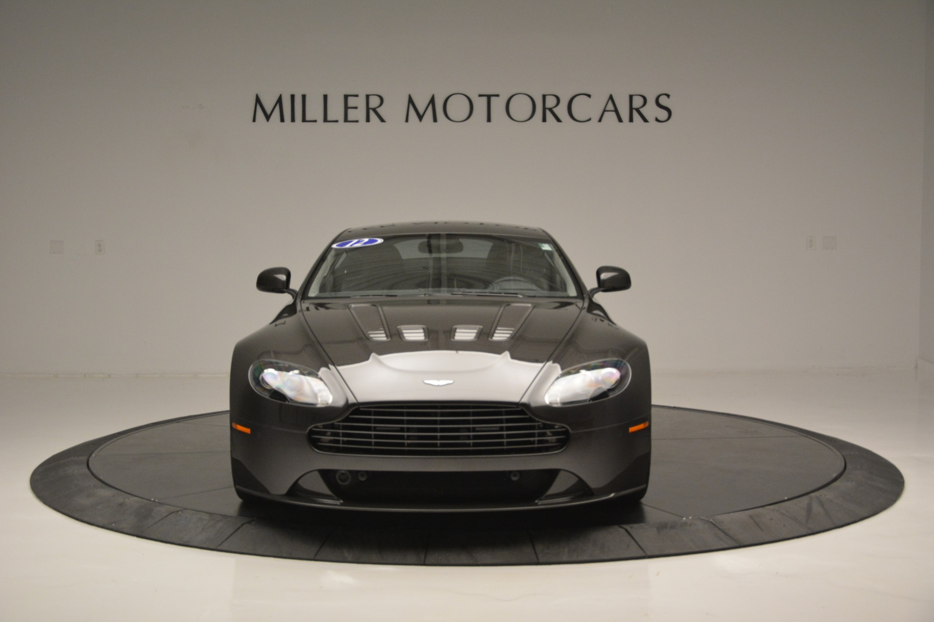 Used 2012 Aston Martin V12 Vantage Coupe For Sale In Greenwich, CT. Alfa Romeo of Greenwich, 7425 2544_p12