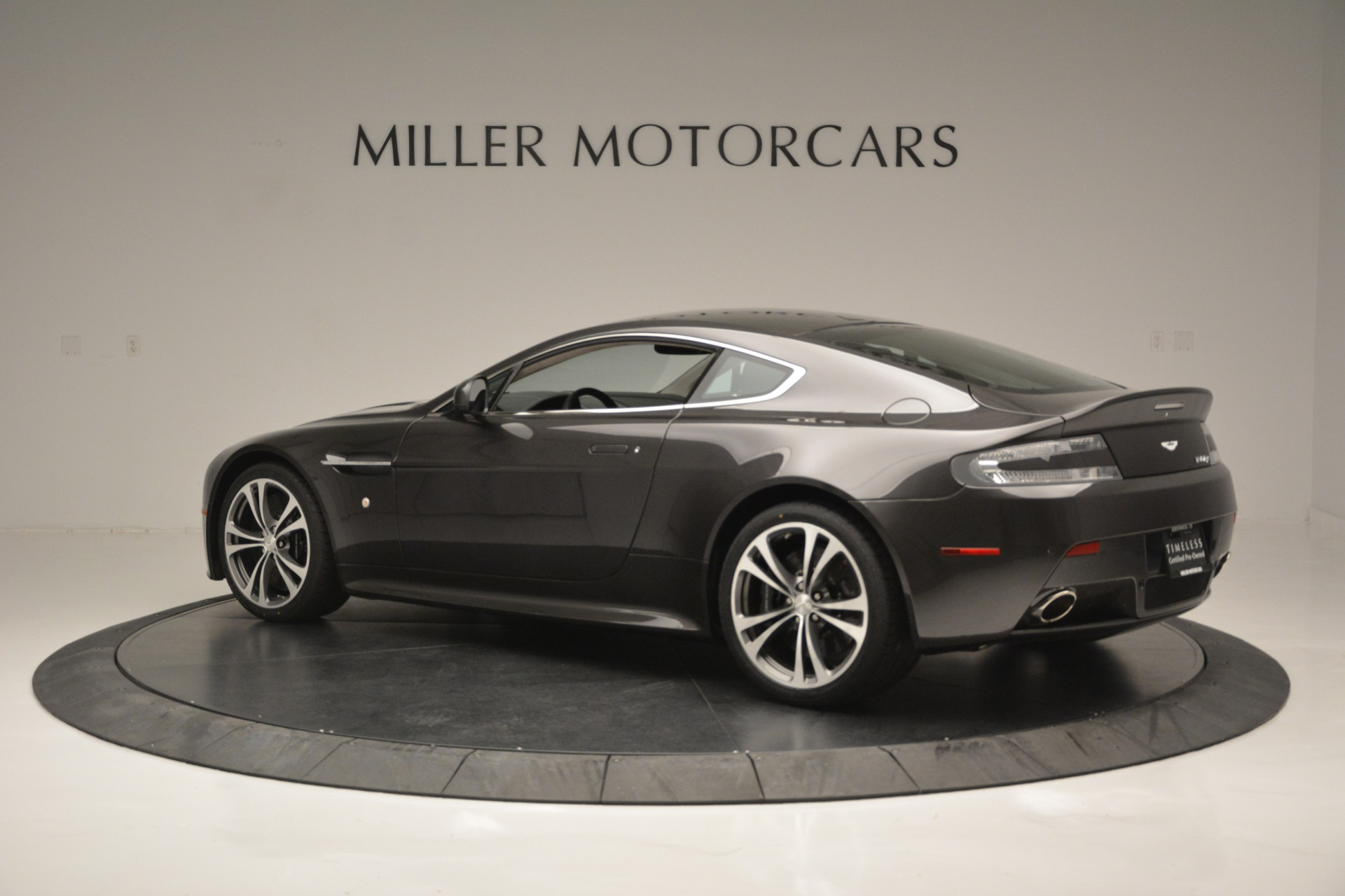 Used 2012 Aston Martin V12 Vantage Coupe For Sale In Greenwich, CT. Alfa Romeo of Greenwich, 7425 2544_p4