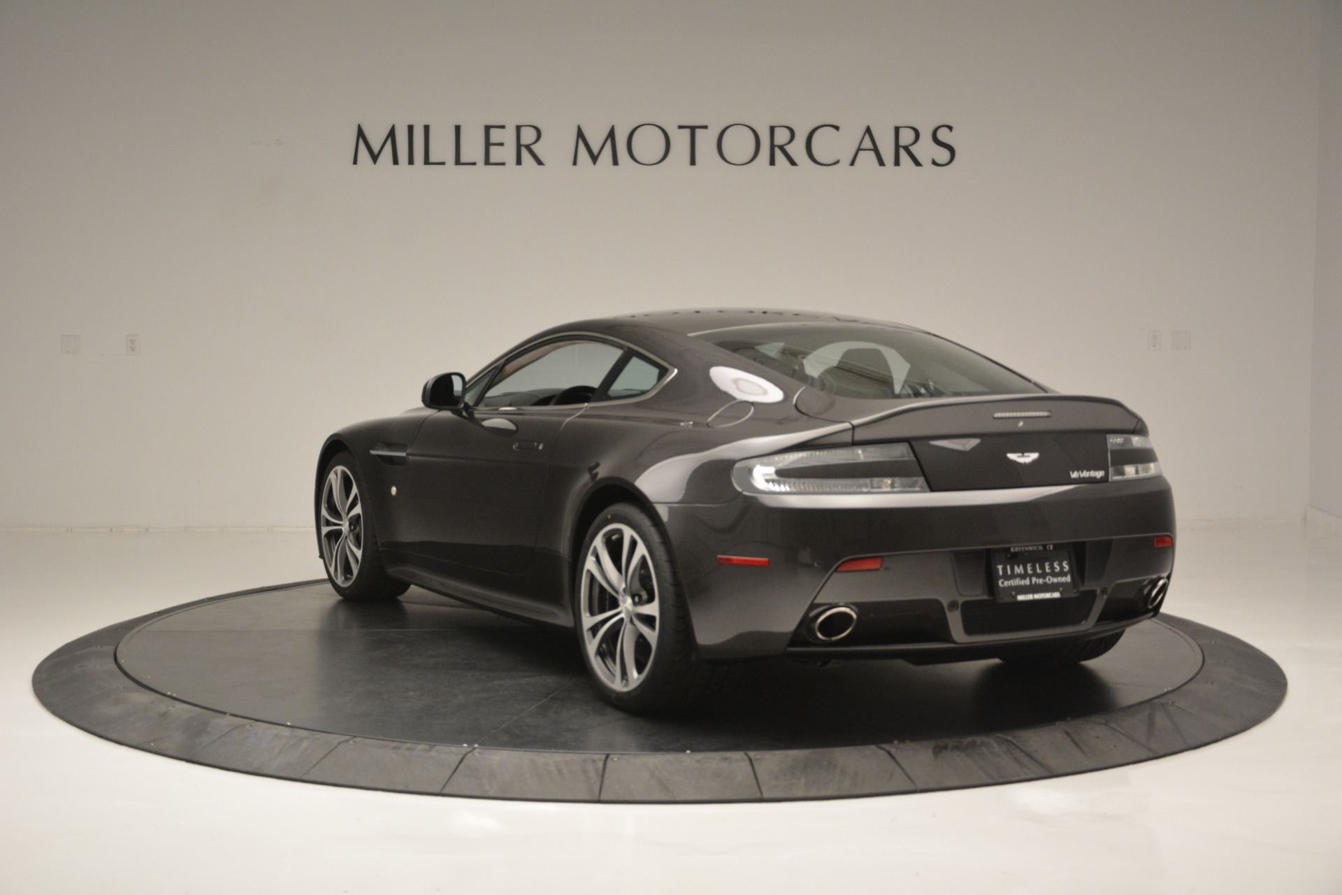 Used 2012 Aston Martin V12 Vantage Coupe For Sale In Greenwich, CT. Alfa Romeo of Greenwich, 7425 2544_p5