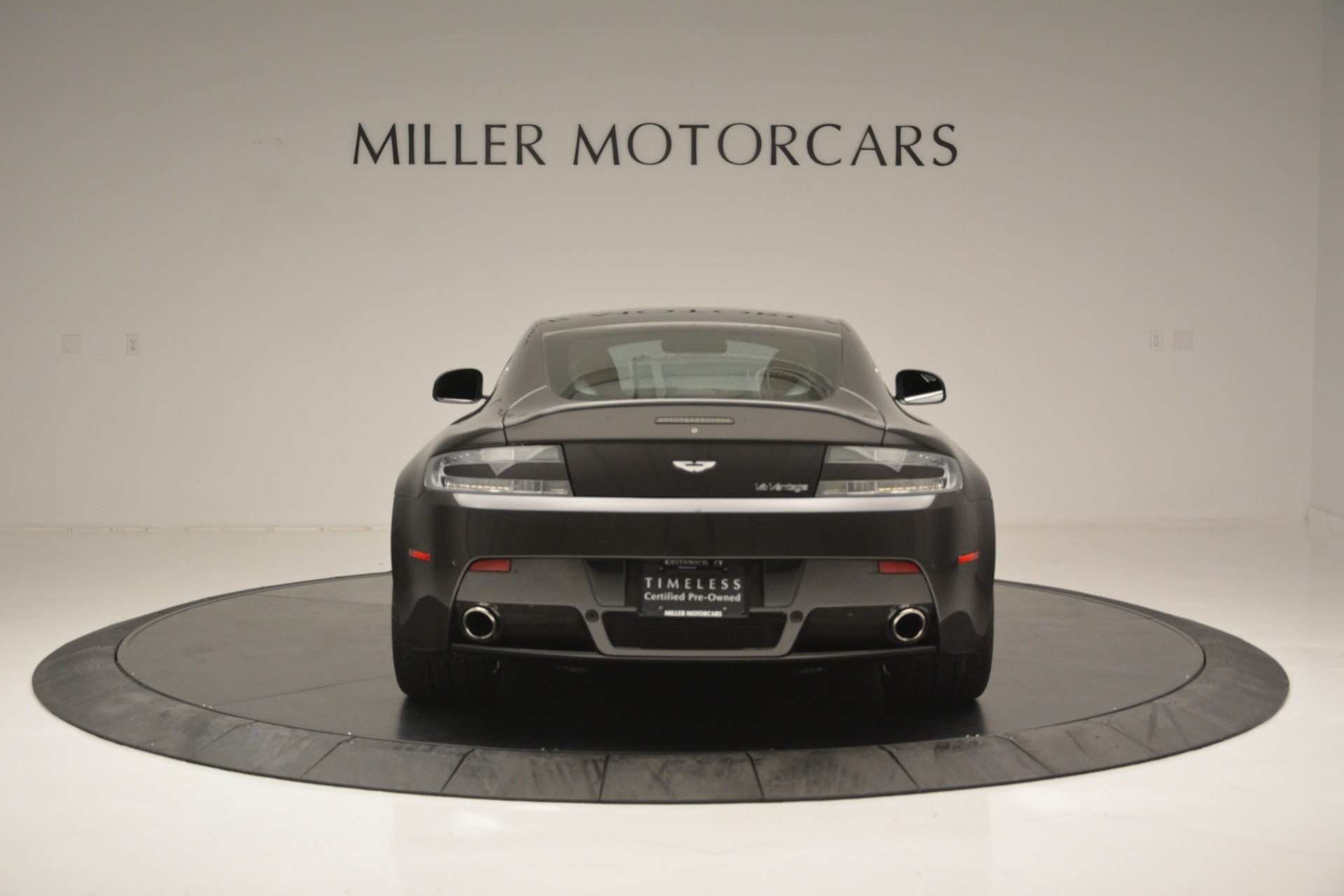 Used 2012 Aston Martin V12 Vantage Coupe For Sale In Greenwich, CT. Alfa Romeo of Greenwich, 7425 2544_p6