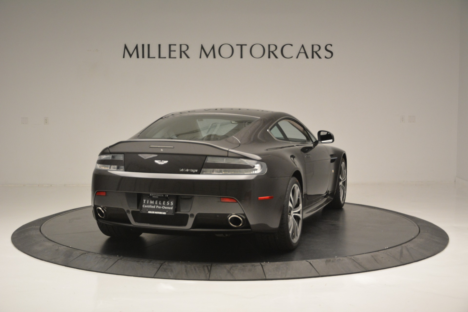 Used 2012 Aston Martin V12 Vantage Coupe For Sale In Greenwich, CT. Alfa Romeo of Greenwich, 7425 2544_p7
