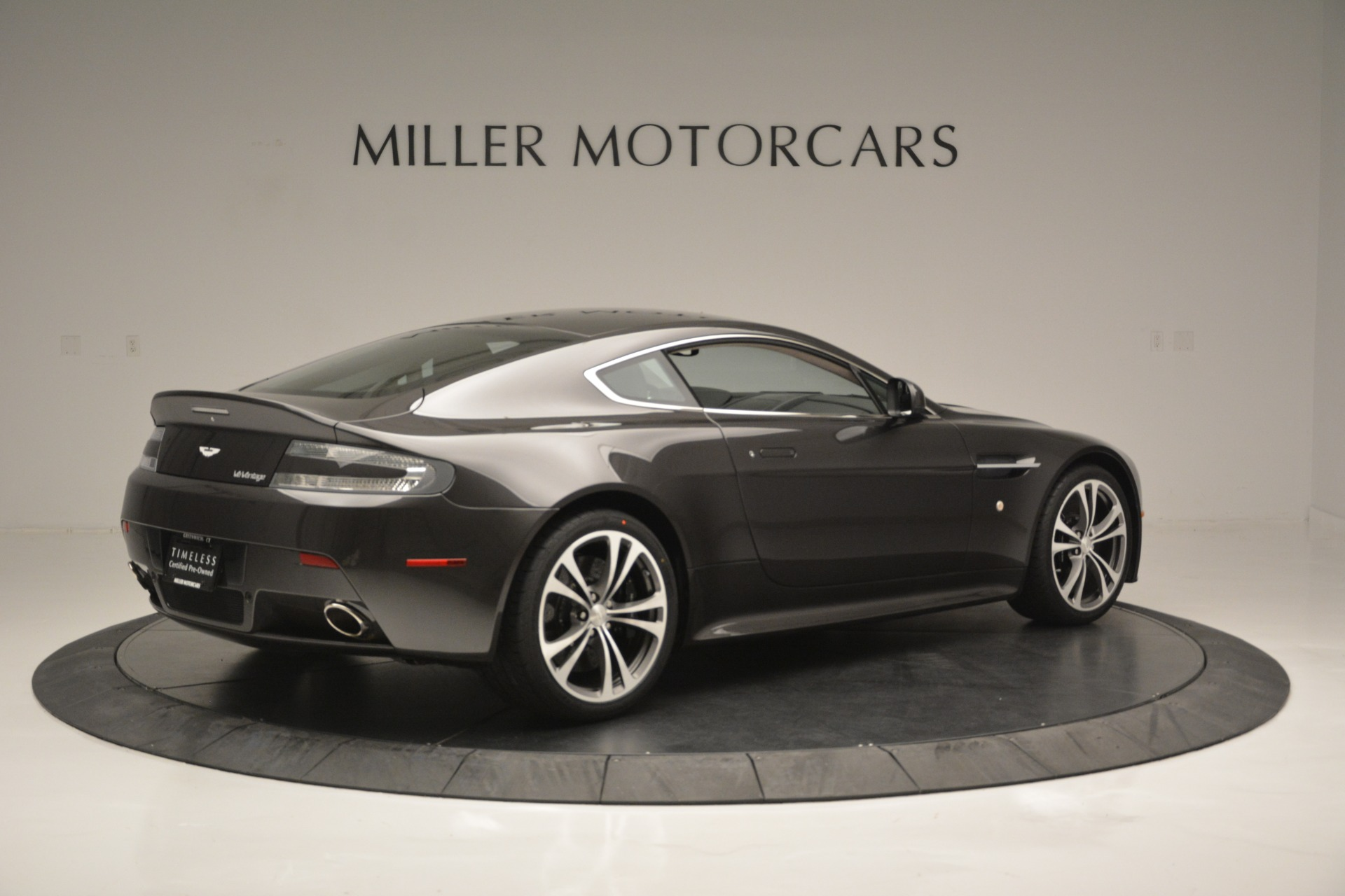 Used 2012 Aston Martin V12 Vantage Coupe For Sale In Greenwich, CT. Alfa Romeo of Greenwich, 7425 2544_p8