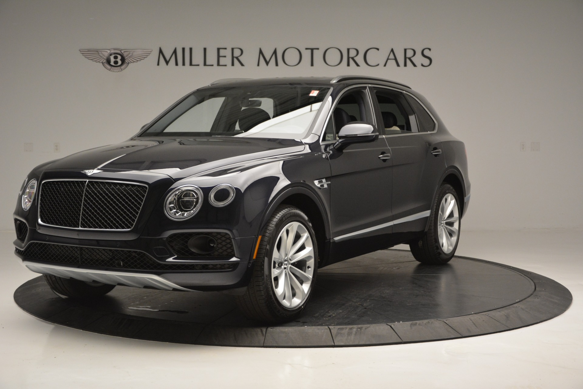 New 2019 Bentley Bentayga V8 For Sale In Greenwich, CT. Alfa Romeo of Greenwich, B1372
