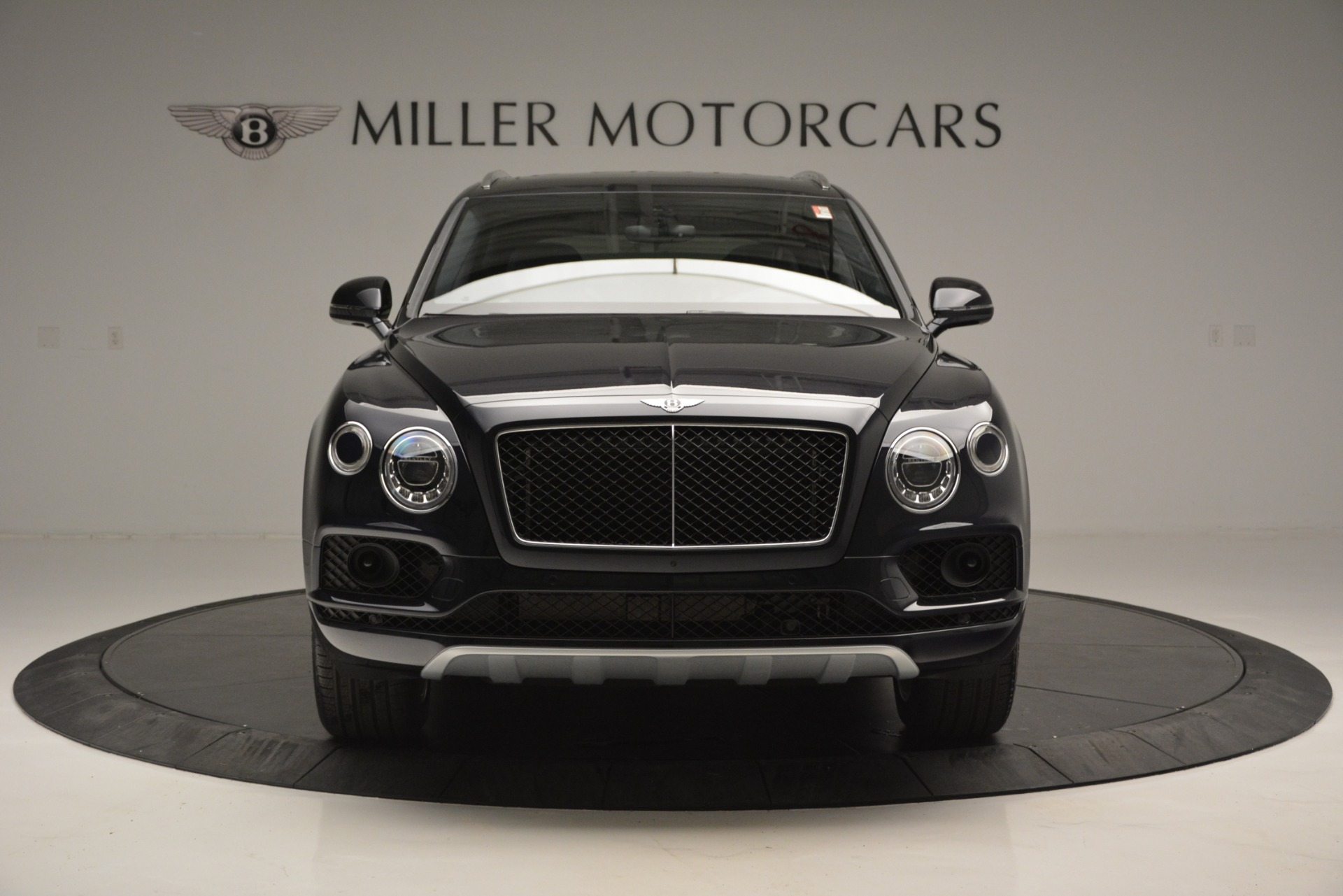 New 2019 Bentley Bentayga V8 For Sale In Greenwich, CT. Alfa Romeo of Greenwich, B1372 2546_p12