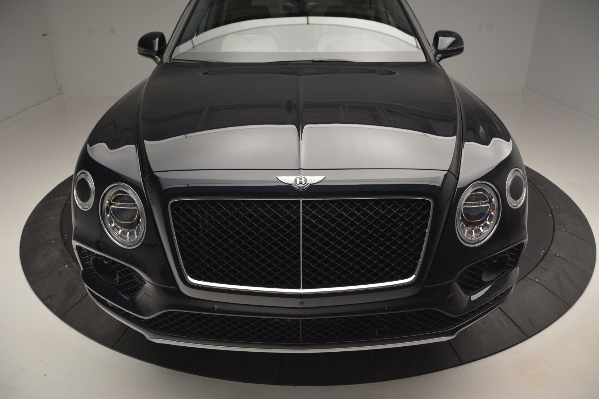 New 2019 Bentley Bentayga V8 For Sale In Greenwich, CT. Alfa Romeo of Greenwich, B1372 2546_p13