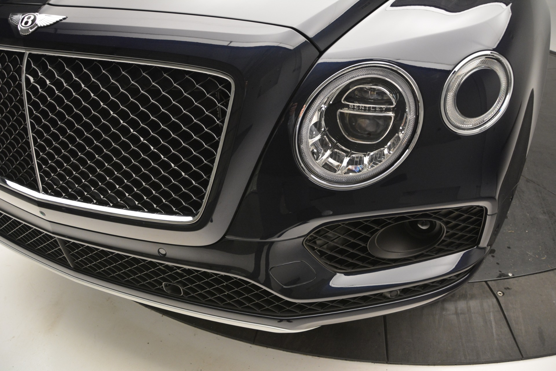 New 2019 Bentley Bentayga V8 For Sale In Greenwich, CT. Alfa Romeo of Greenwich, B1372 2546_p14
