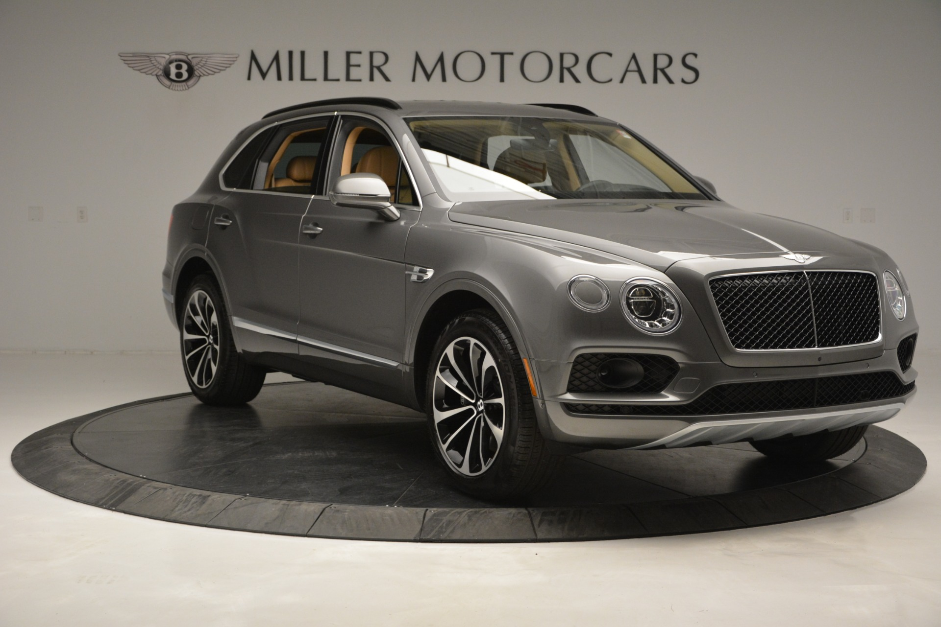 New 2019 Bentley Bentayga V8 For Sale In Greenwich, CT. Alfa Romeo of Greenwich, B1378 2547_p11