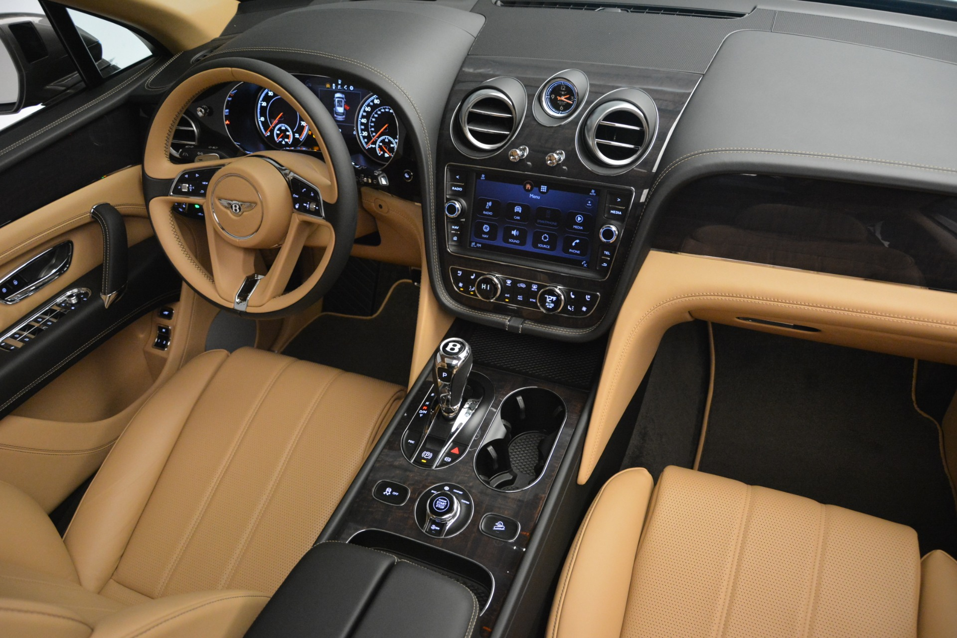 New 2019 Bentley Bentayga V8 For Sale In Greenwich, CT. Alfa Romeo of Greenwich, B1378 2547_p31