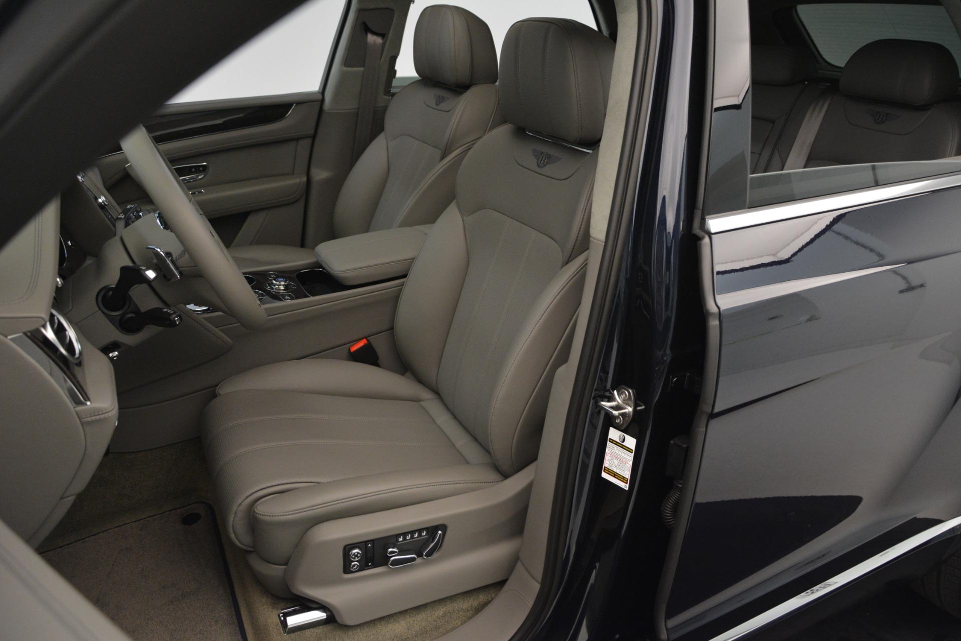 Used 2019 Bentley Bentayga V8 For Sale In Greenwich, CT. Alfa Romeo of Greenwich, B1369 2549_p19