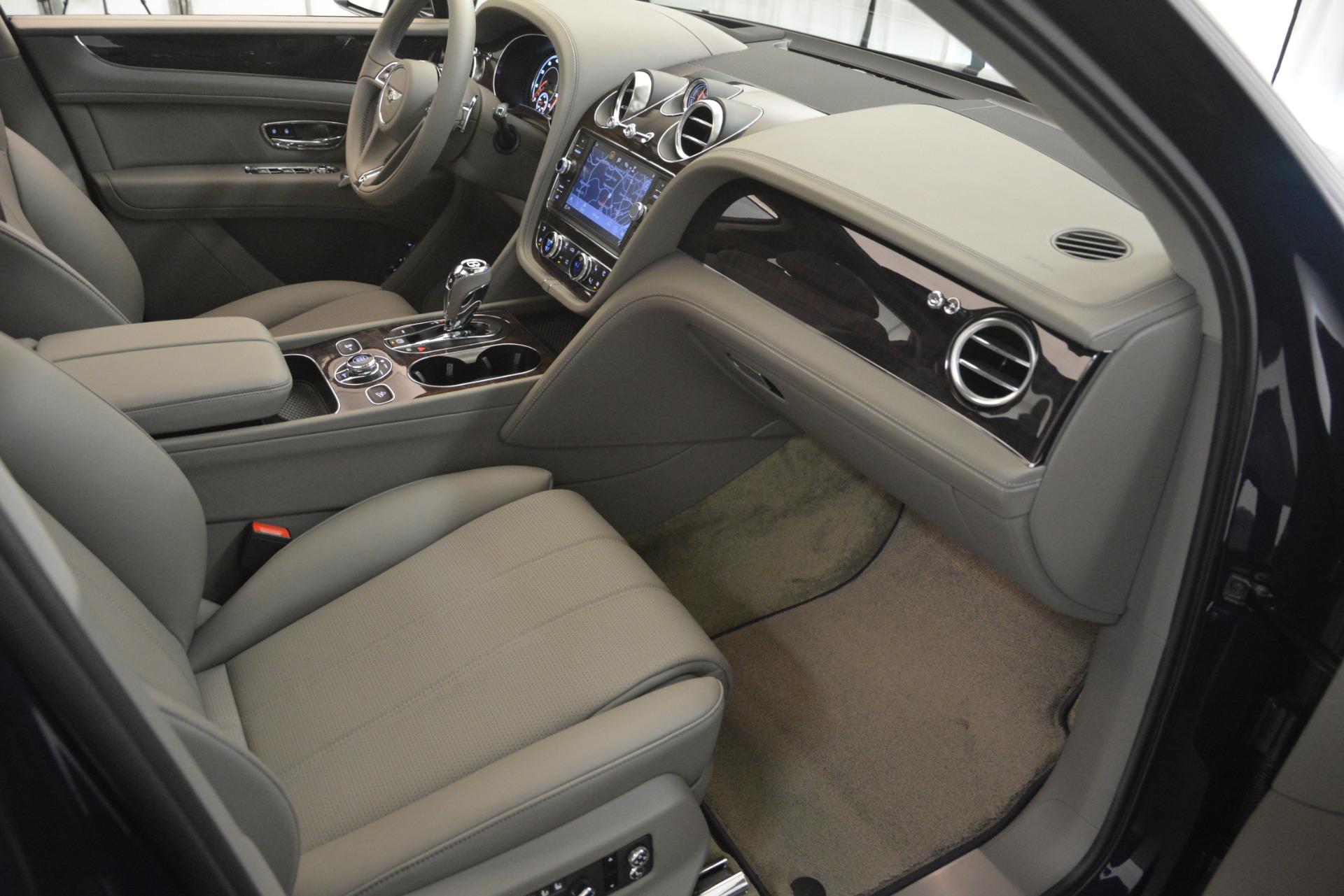 Used 2019 Bentley Bentayga V8 For Sale In Greenwich, CT. Alfa Romeo of Greenwich, B1369 2549_p27